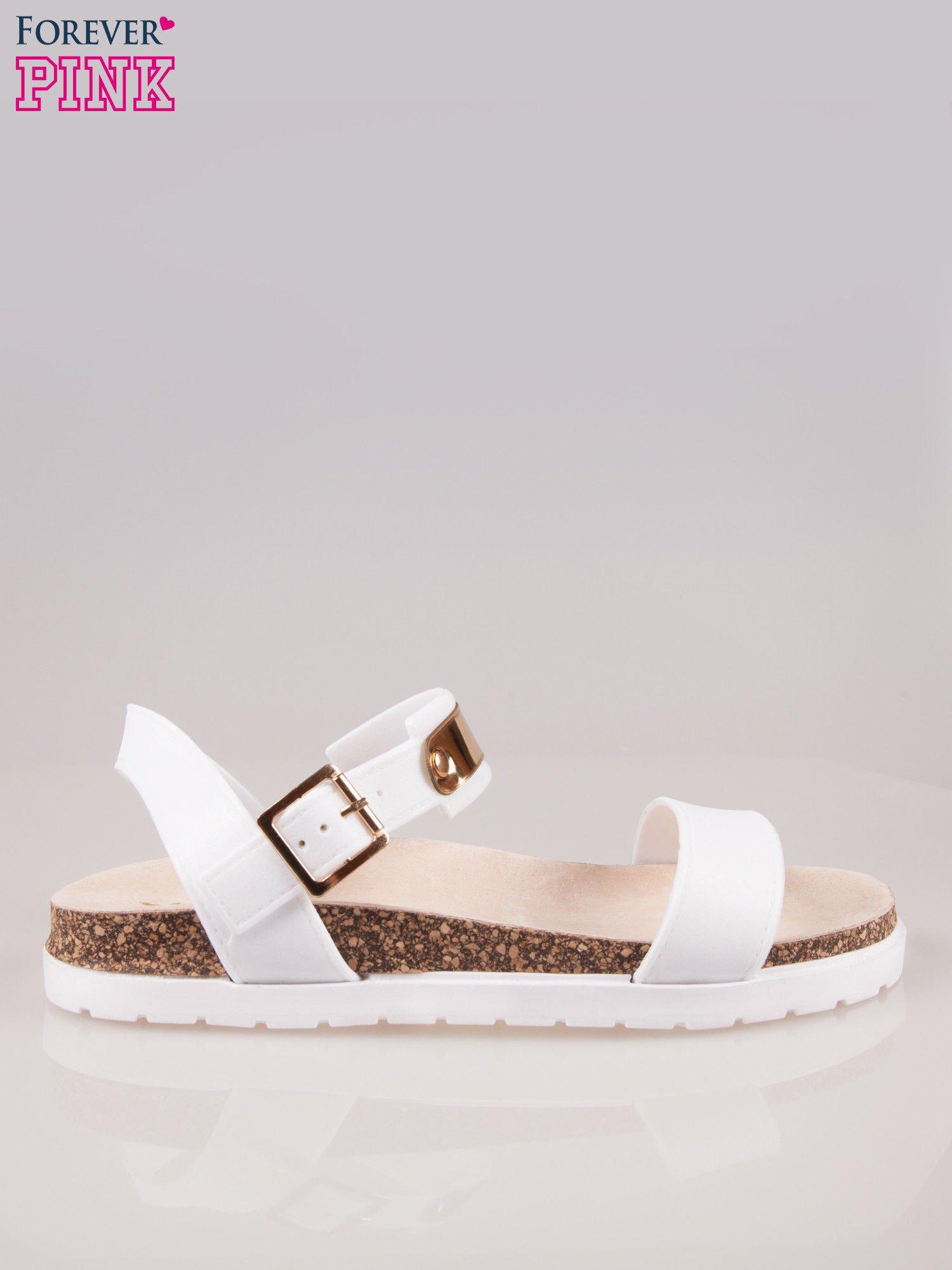 Białe sandały z blaszką na korkowej podeszwie                                  zdj.                                  1