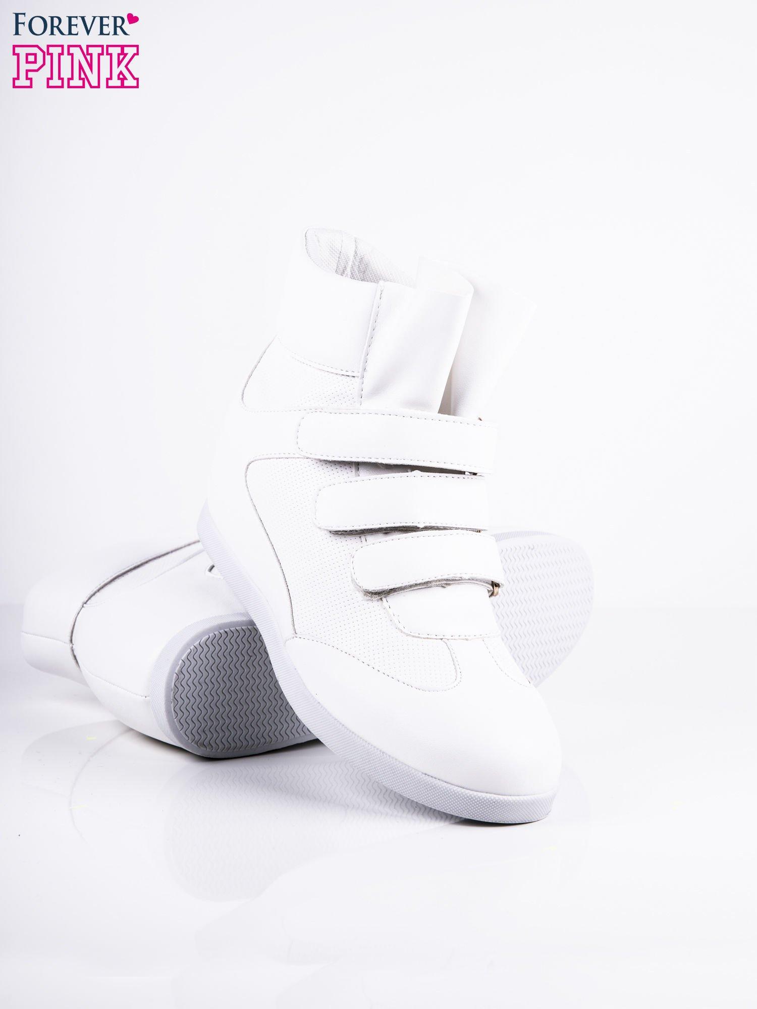 Białe sneakersy na rzepy                                  zdj.                                  3