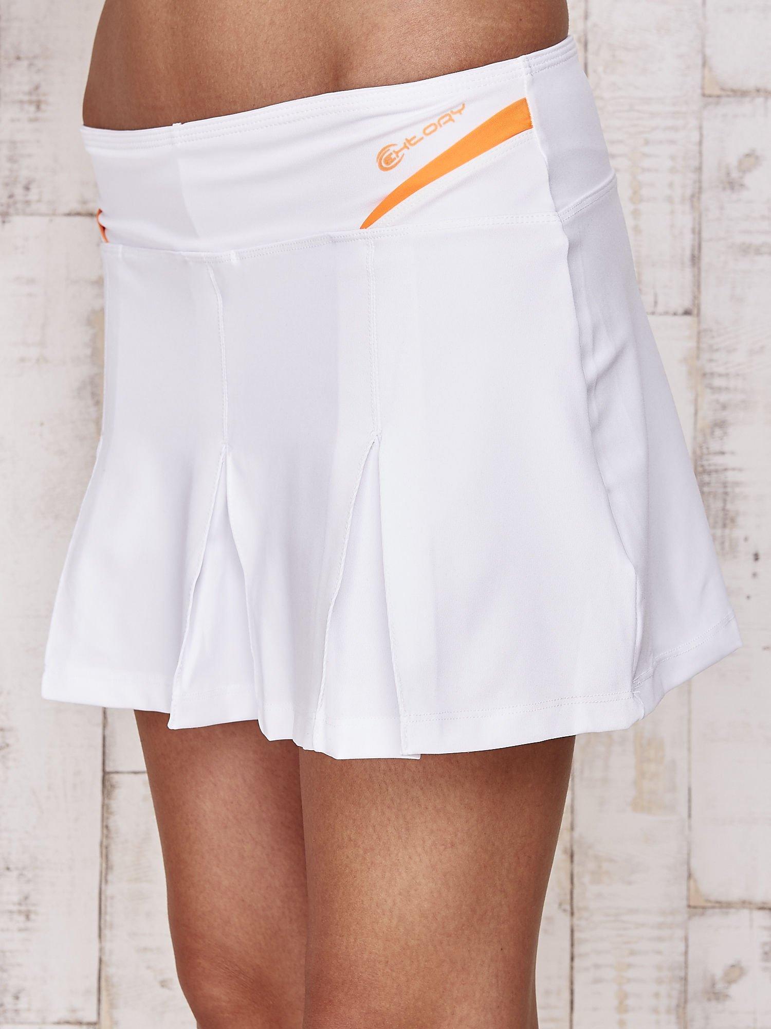 Białe spodenki spódniczka tenisowa z pomarańczowymi wstawkami                                  zdj.                                  7