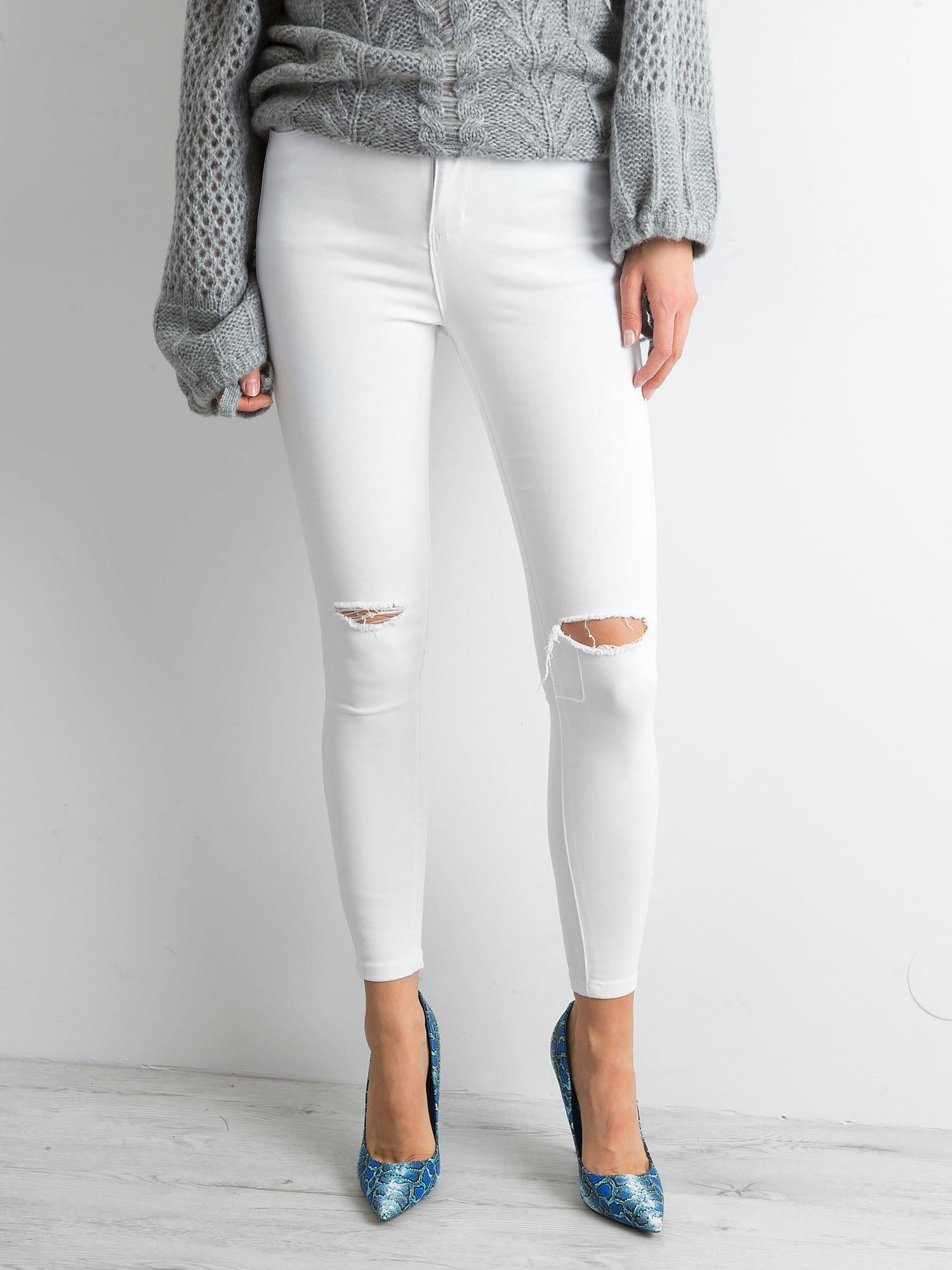 ae8d500308 Białe spodnie jeansowe z dziurami - Spodnie jeansowe - sklep eButik.pl