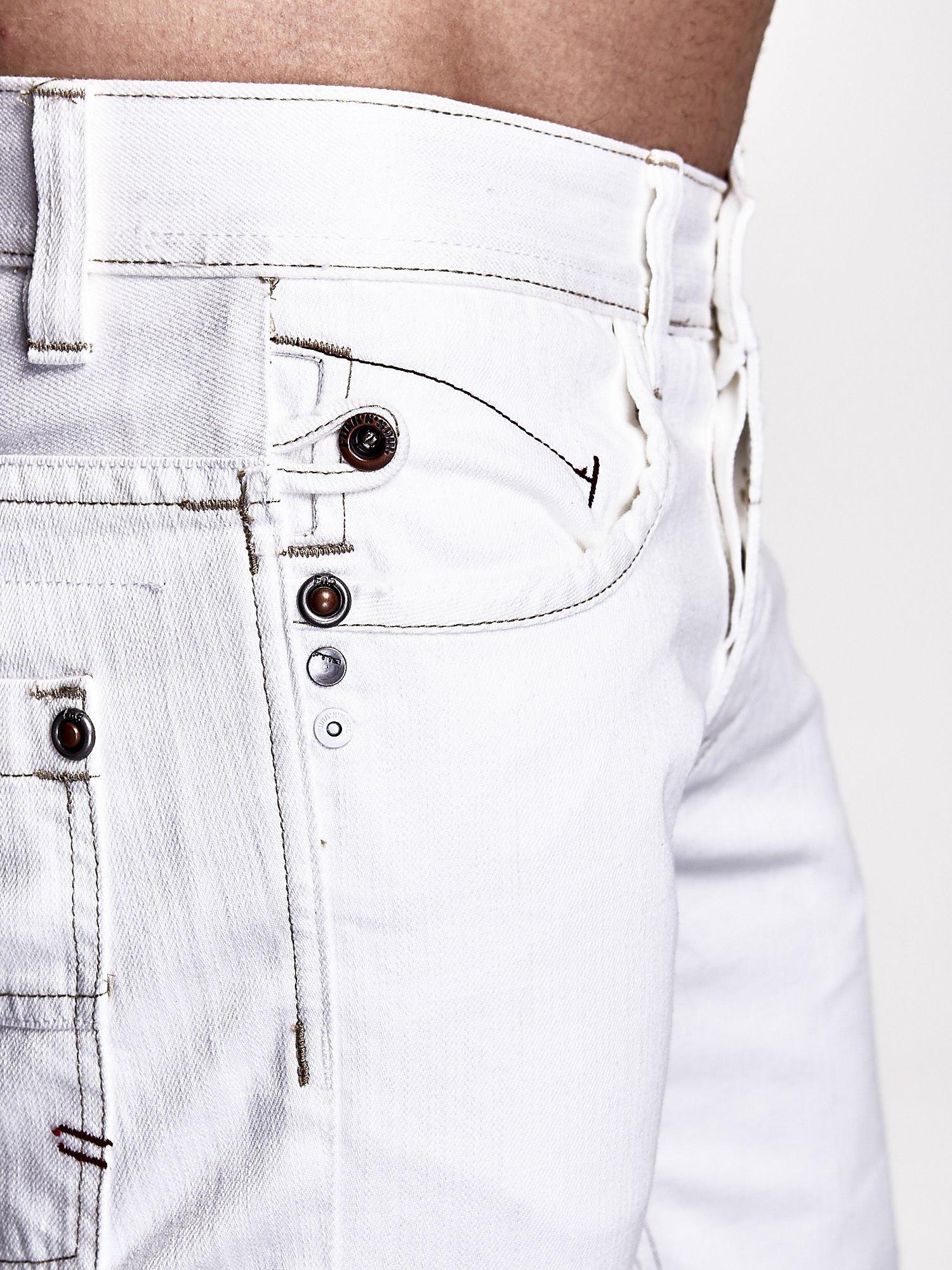 Białe spodnie męskie z napami na kieszeniach Funk n Soul                                  zdj.                                  5