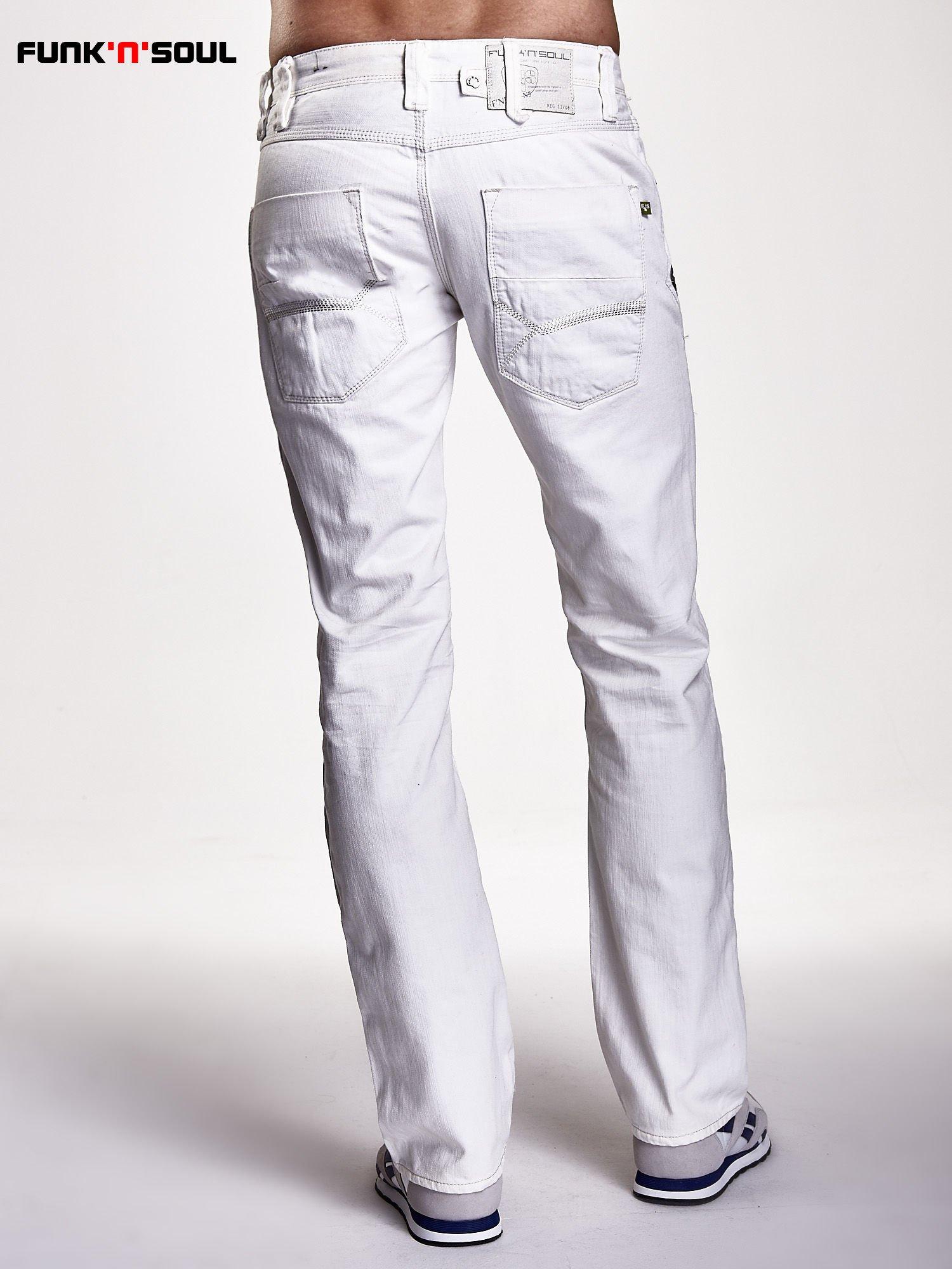 8f8f61501b Białe spodnie męskie z ozdobnymi napami Funk n Soul - Mężczyźni ...