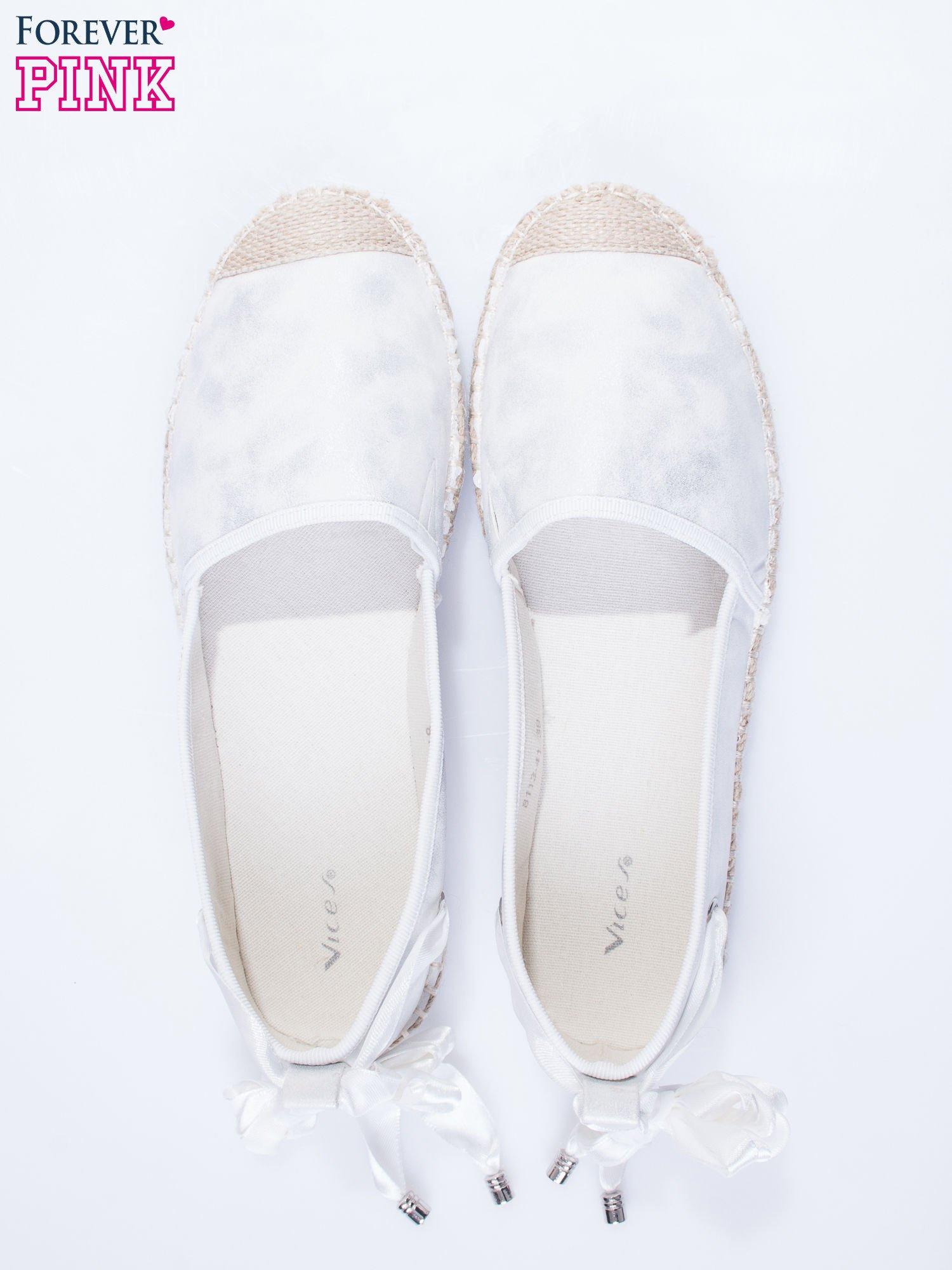 Białe wiązane espadryle lace up                                  zdj.                                  5