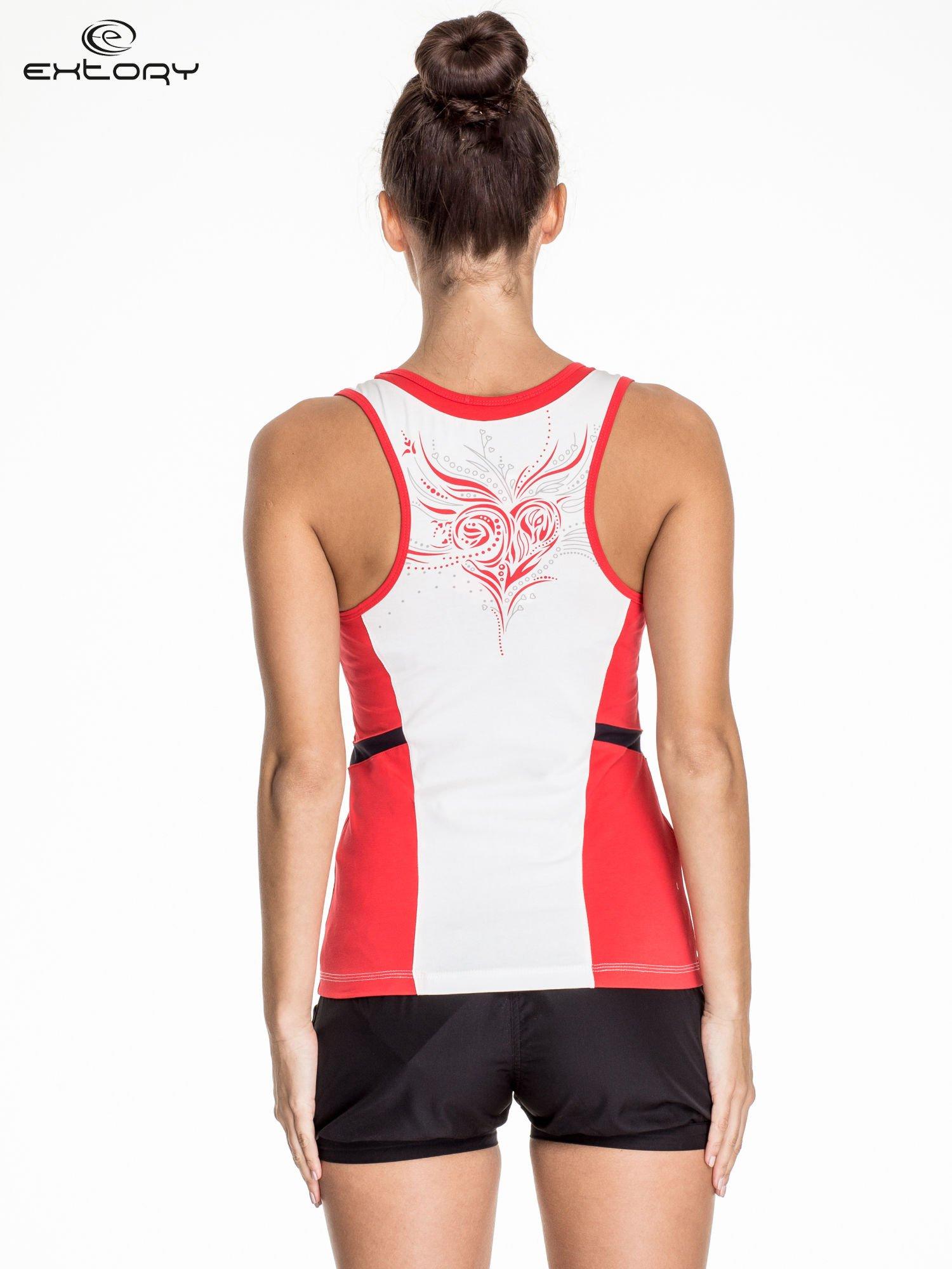 Biało-czerwony damski top sportowy z nadrukiem na plecach                                  zdj.                                  4