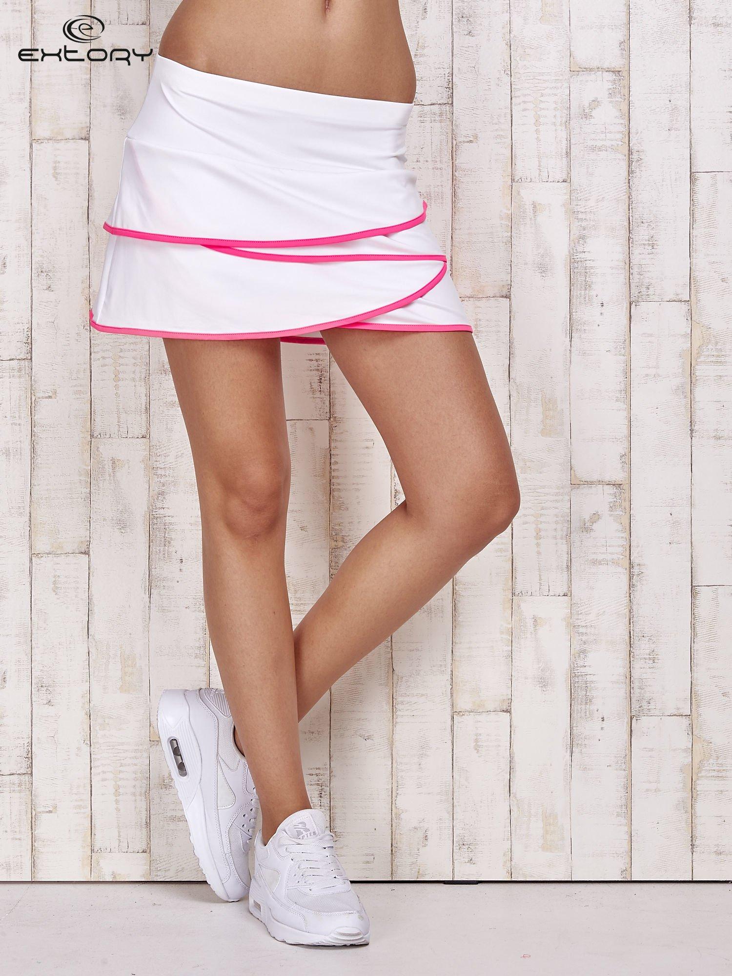 Biało-różowe spodenki spódniczka tenisowa z falbankami                                  zdj.                                  1