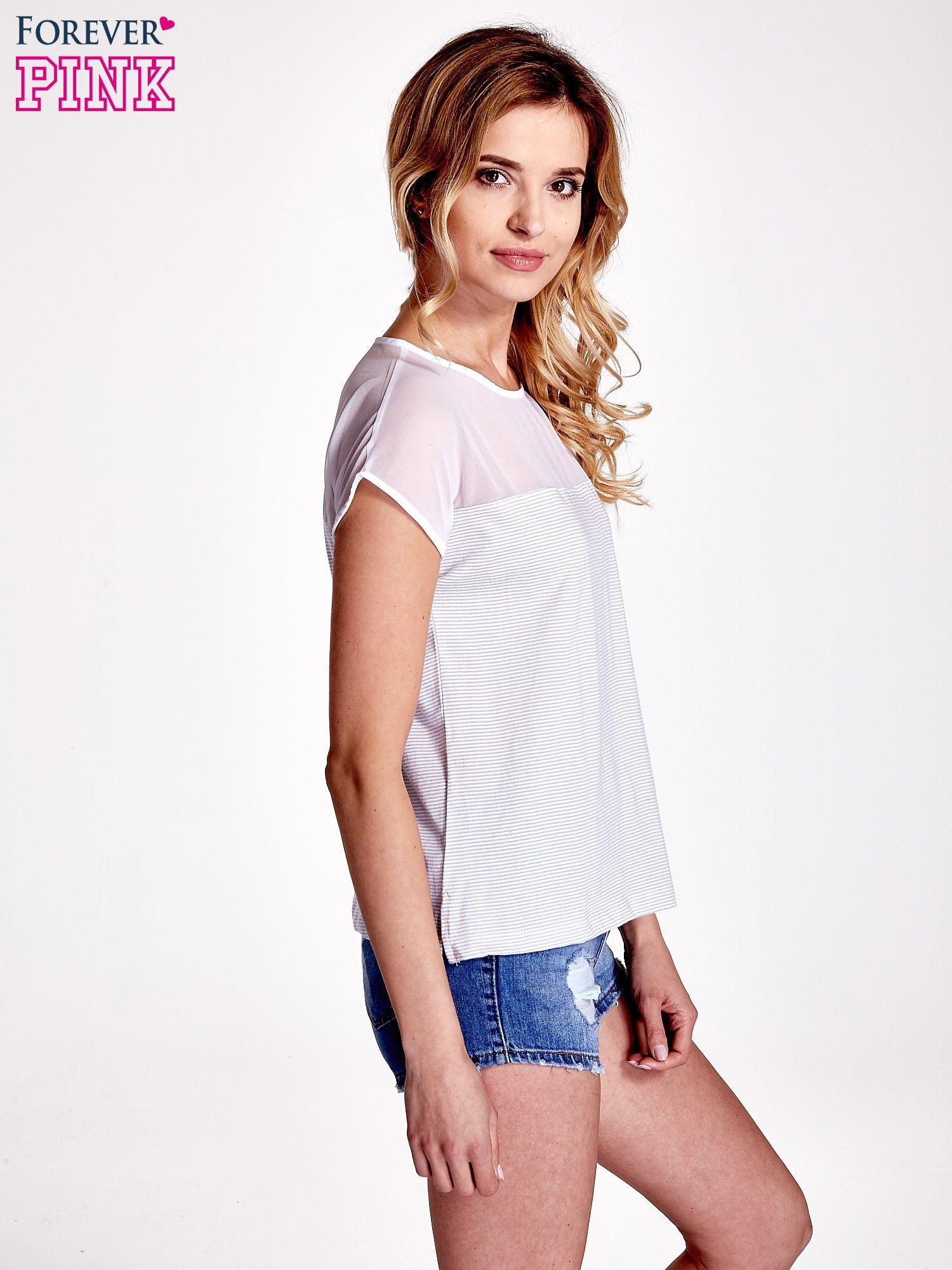 Biało-szary t-shirt z tiulowym wykończeniem                                  zdj.                                  3
