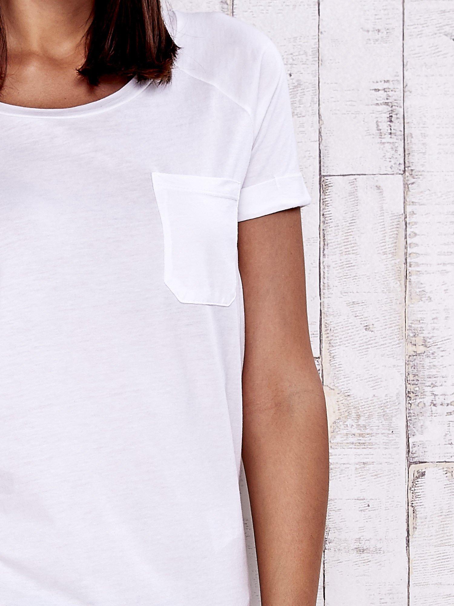 Biały gładki t-shirt basic                                  zdj.                                  5