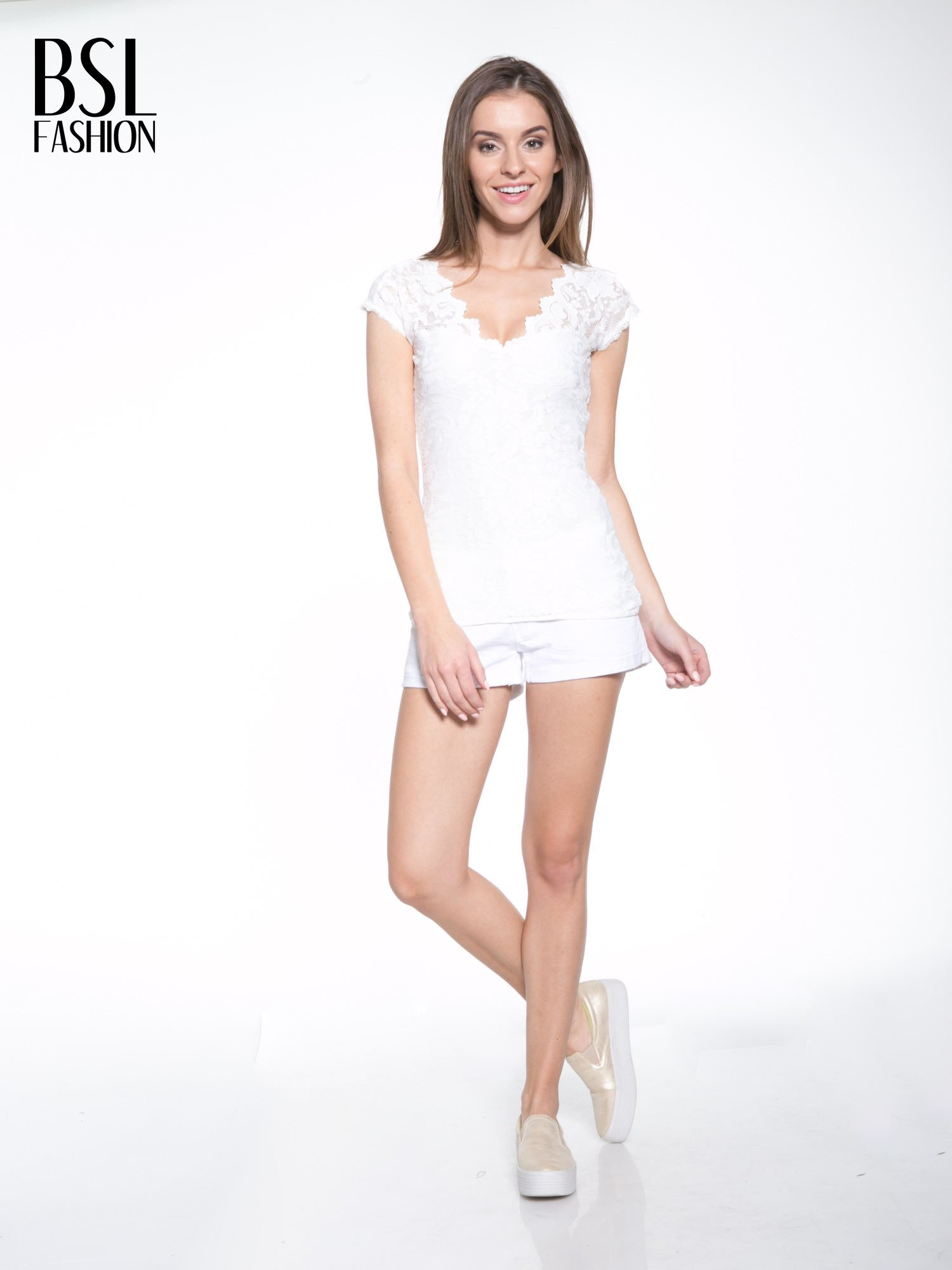 Biały koronkowy t-shirt z głębokim dekoltem                                  zdj.                                  5