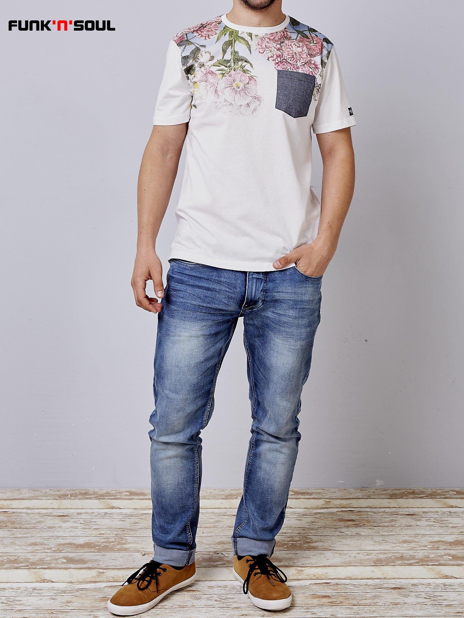 Biały t-shirt męski hipster w kwiaty Funk n Soul                                  zdj.                                  5