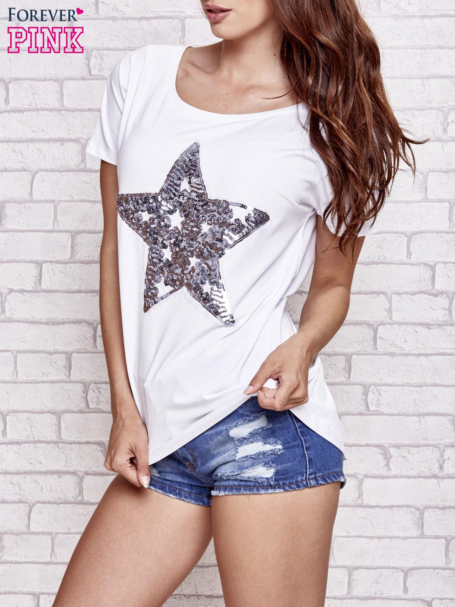 Biały t-shirt z gwiazdą z cekinów                                  zdj.                                  3