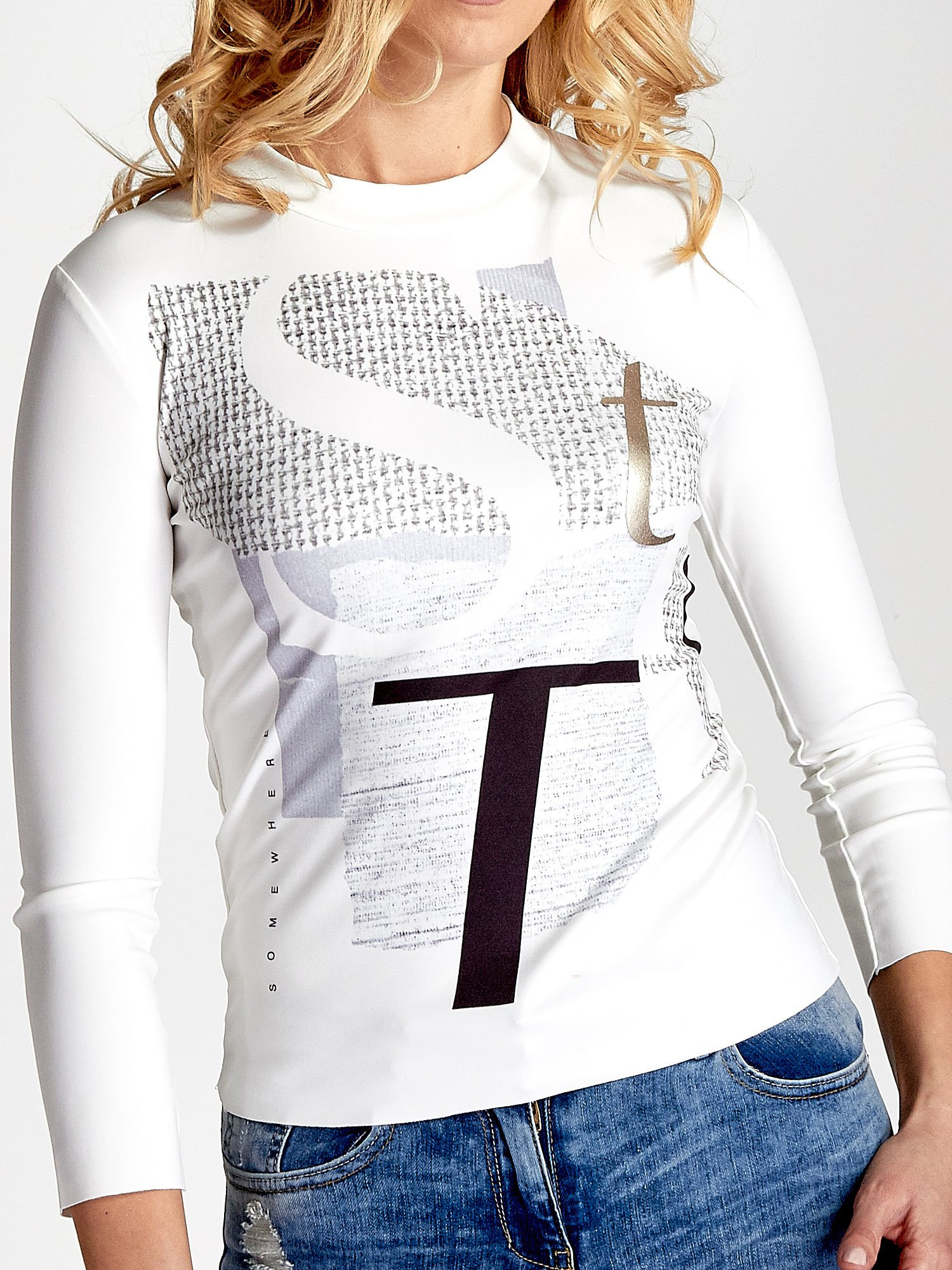 Biały t-shirt z nadrukiem                                  zdj.                                  5