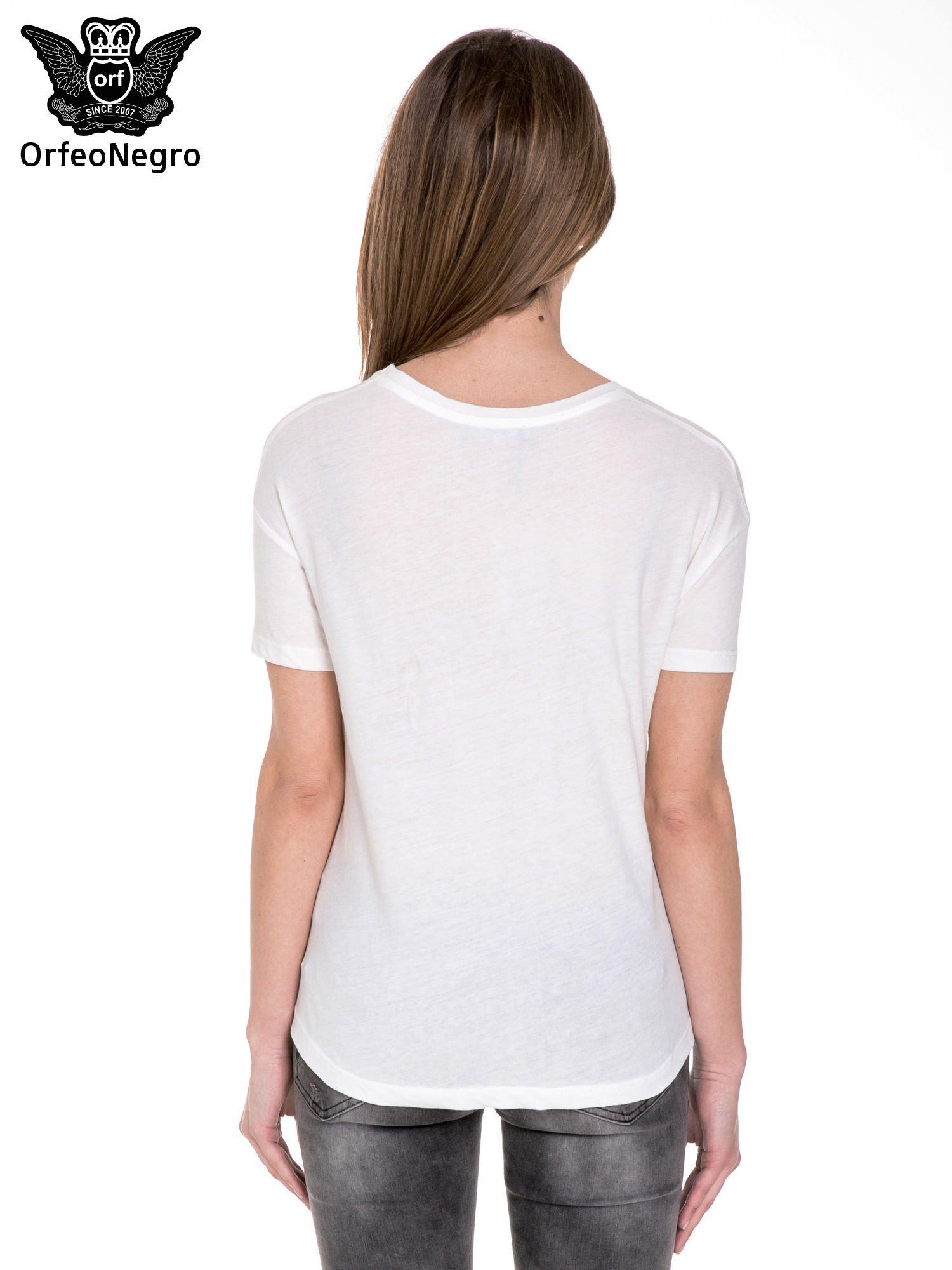 Biały t-shirt z nadrukiem AU REVOIR z cekinów                                  zdj.                                  4