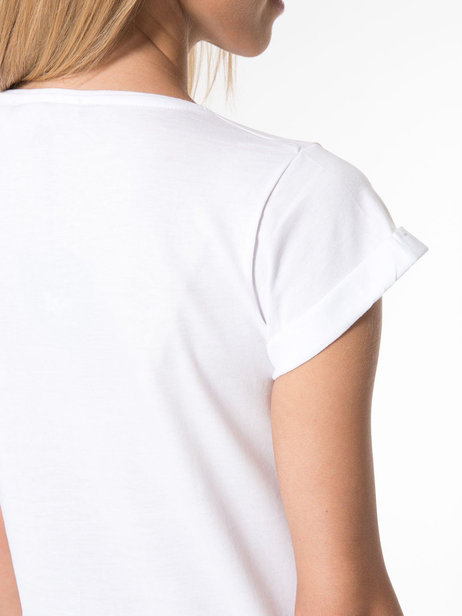 Biały t-shirt z napisem CÉLINE ME ALONE                                  zdj.                                  9