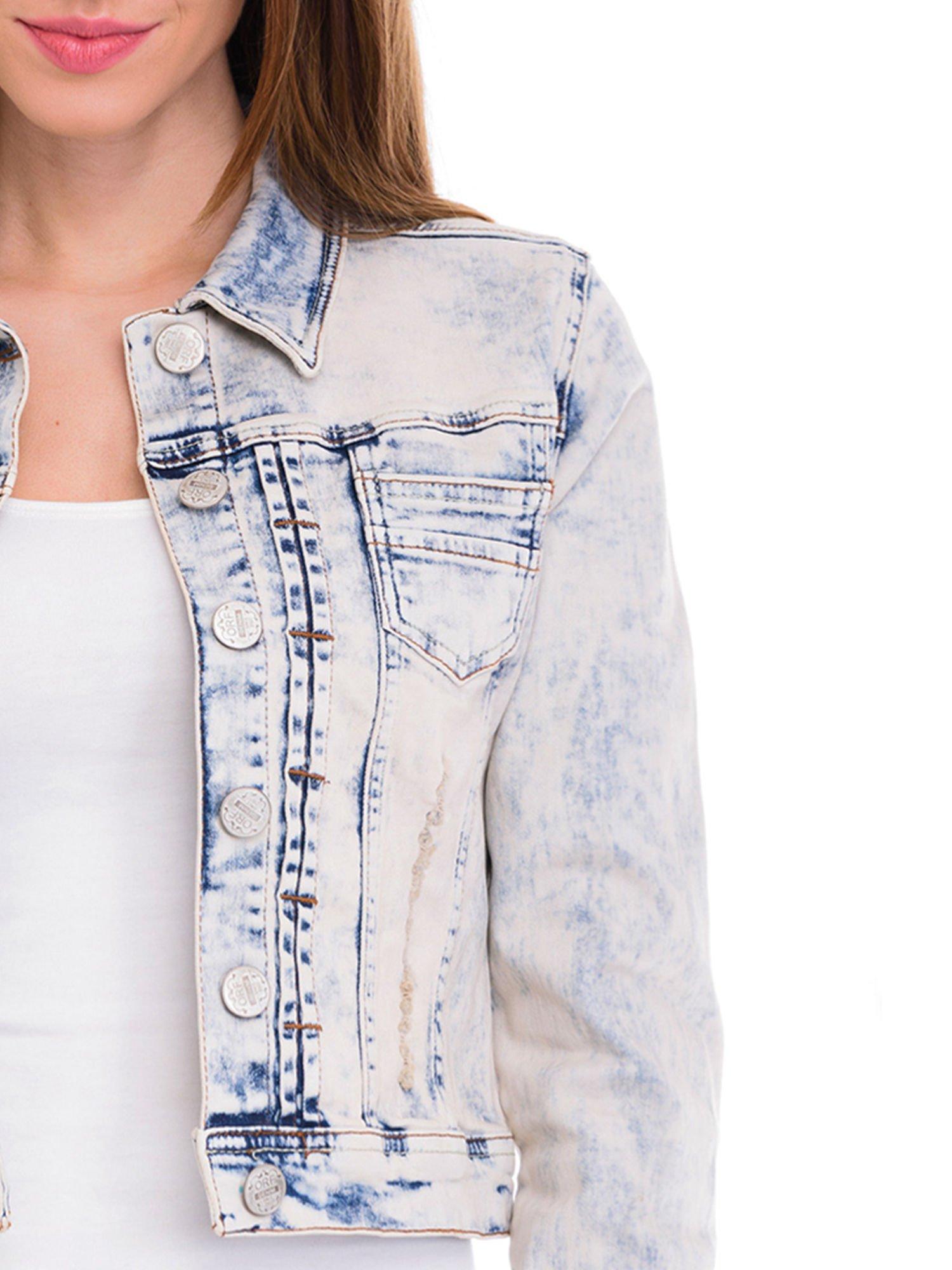 Błękitna kurtka jeansowa damska z marmurkowego denimu                                  zdj.                                  5