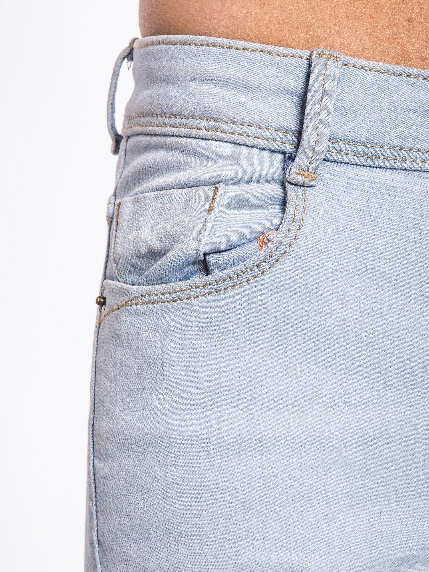 Błękitne spodnie jeansowe skinny fit                                  zdj.                                  3
