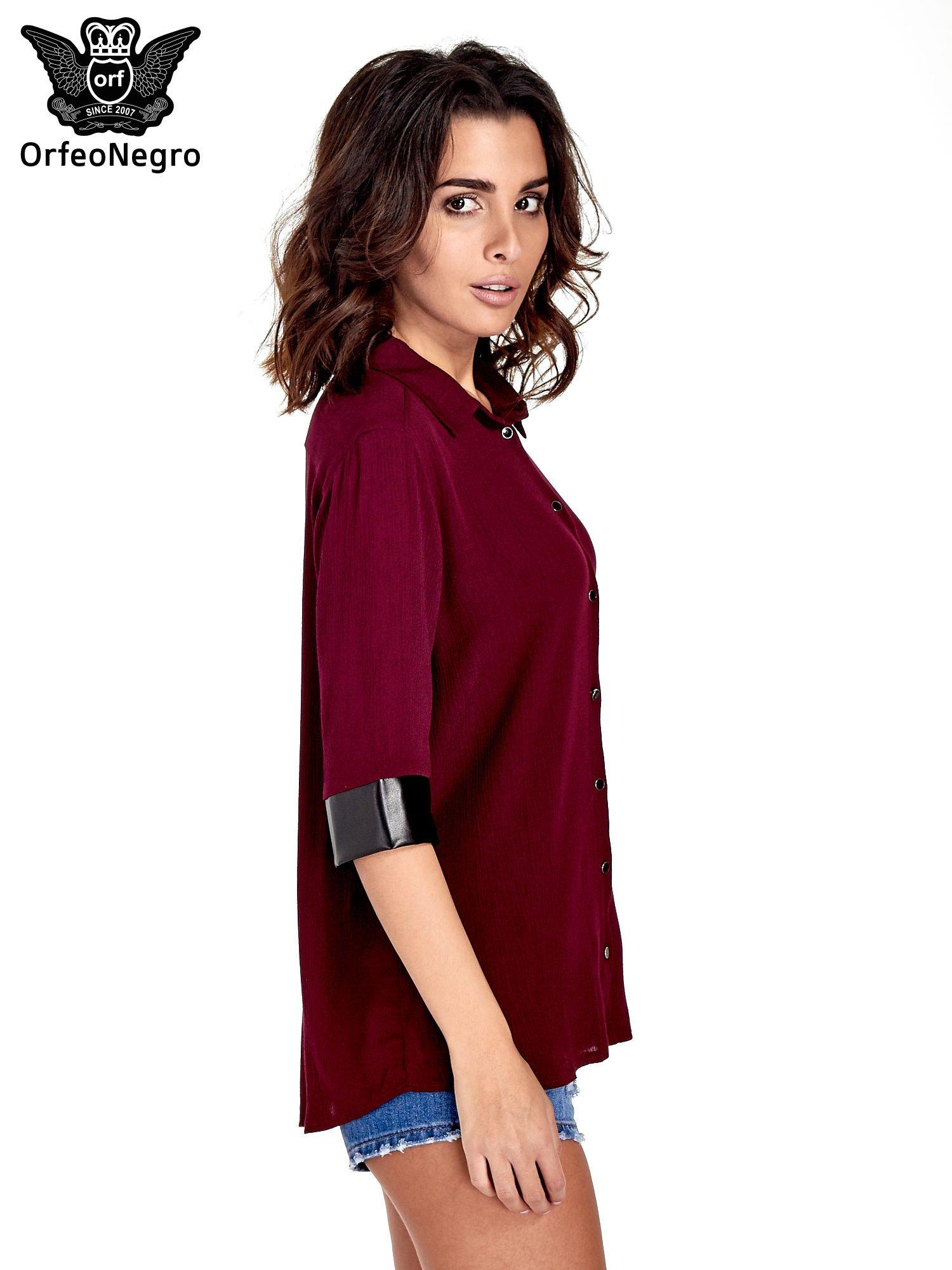 Bordowa koszula ze skórzanymi mankietami                                  zdj.                                  3