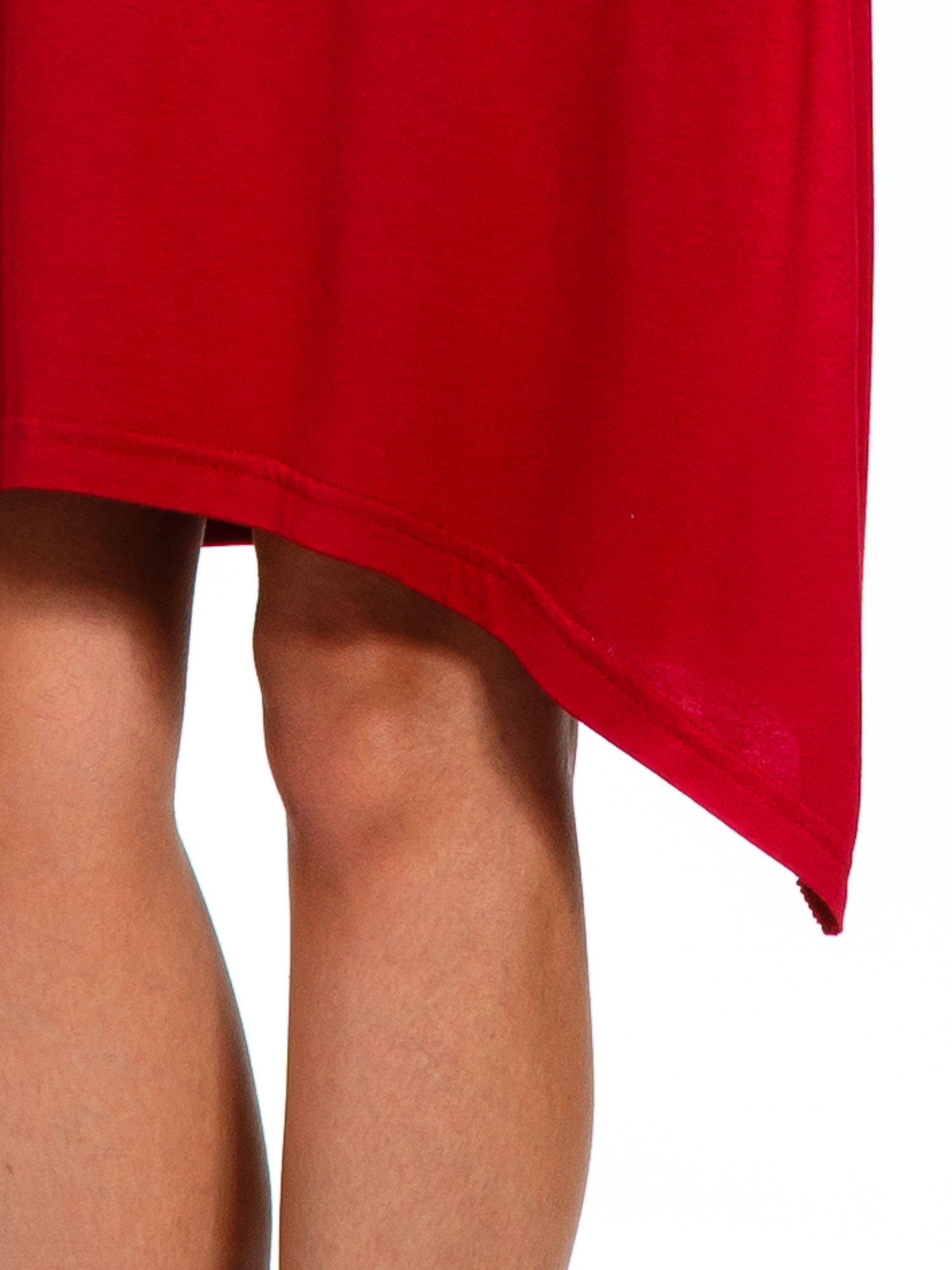 Bordowa luźna sukienka z asymetrycznym dołem                                  zdj.                                  7