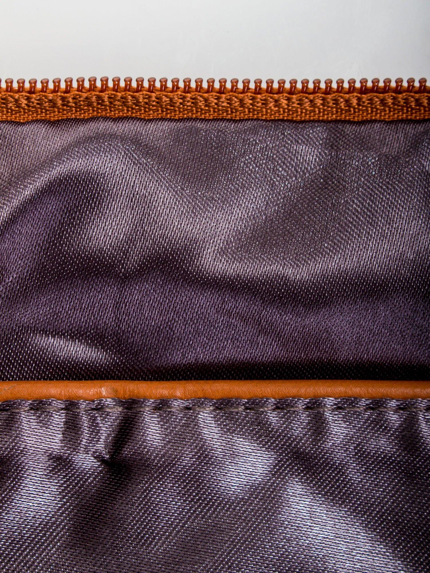 Brązowa kopertówka z dżetami napis LUCY WORLD                                  zdj.                                  7