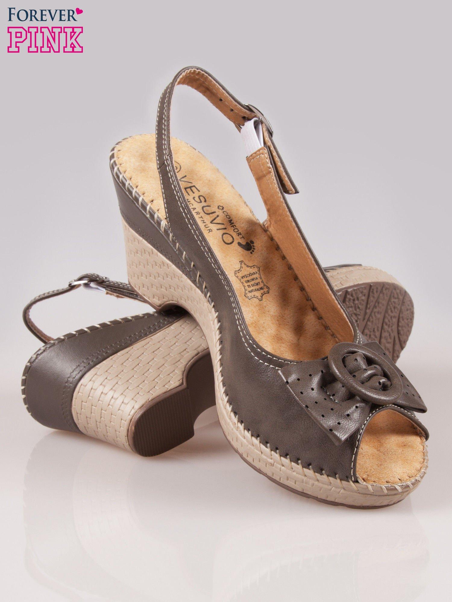 Brązowe sandały z kokardą na grubym obcasie Laolla                                  zdj.                                  4
