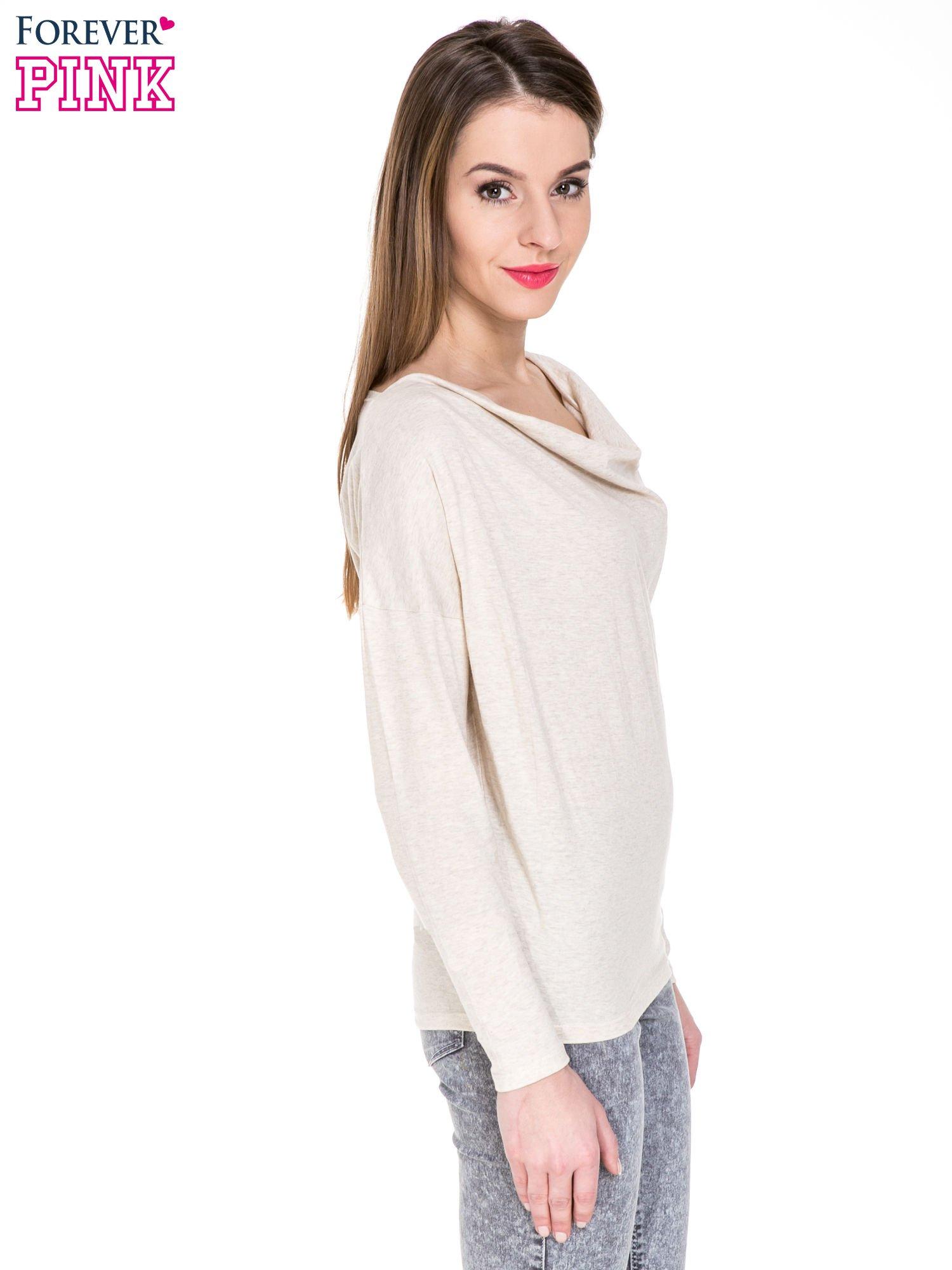 Ciemnobeżowa bawełniana bluzka z dekoltem typu woda                                  zdj.                                  3