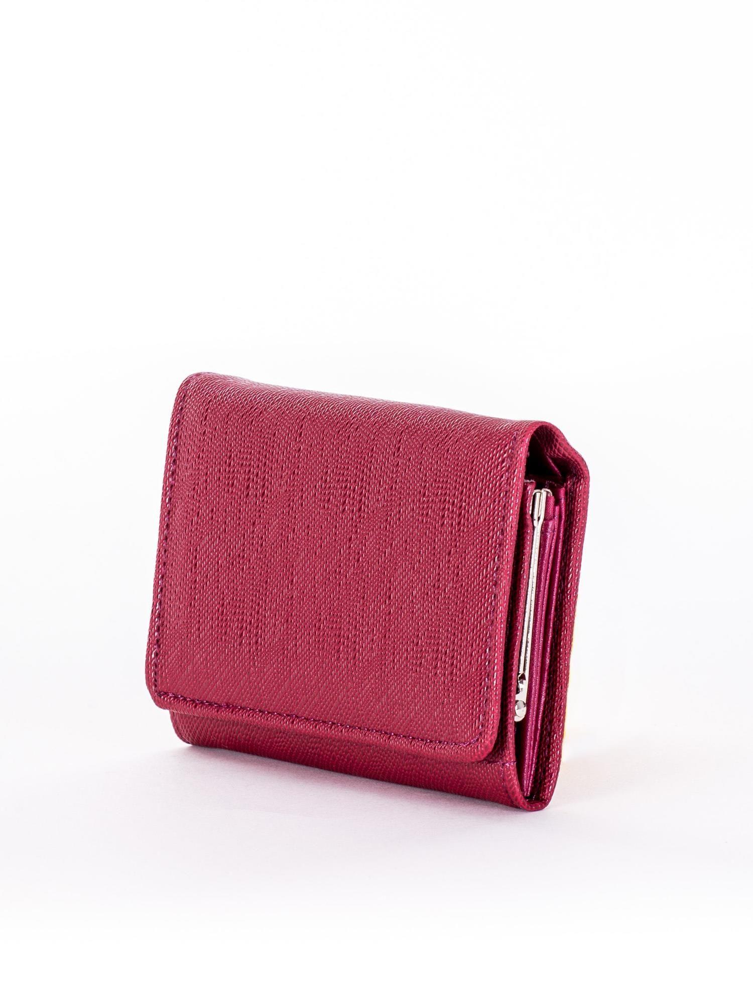 5442bcc214012 Ciemnobordowy portfel damski zapinany na zatrzask - Akcesoria portfele -  sklep eButik.pl