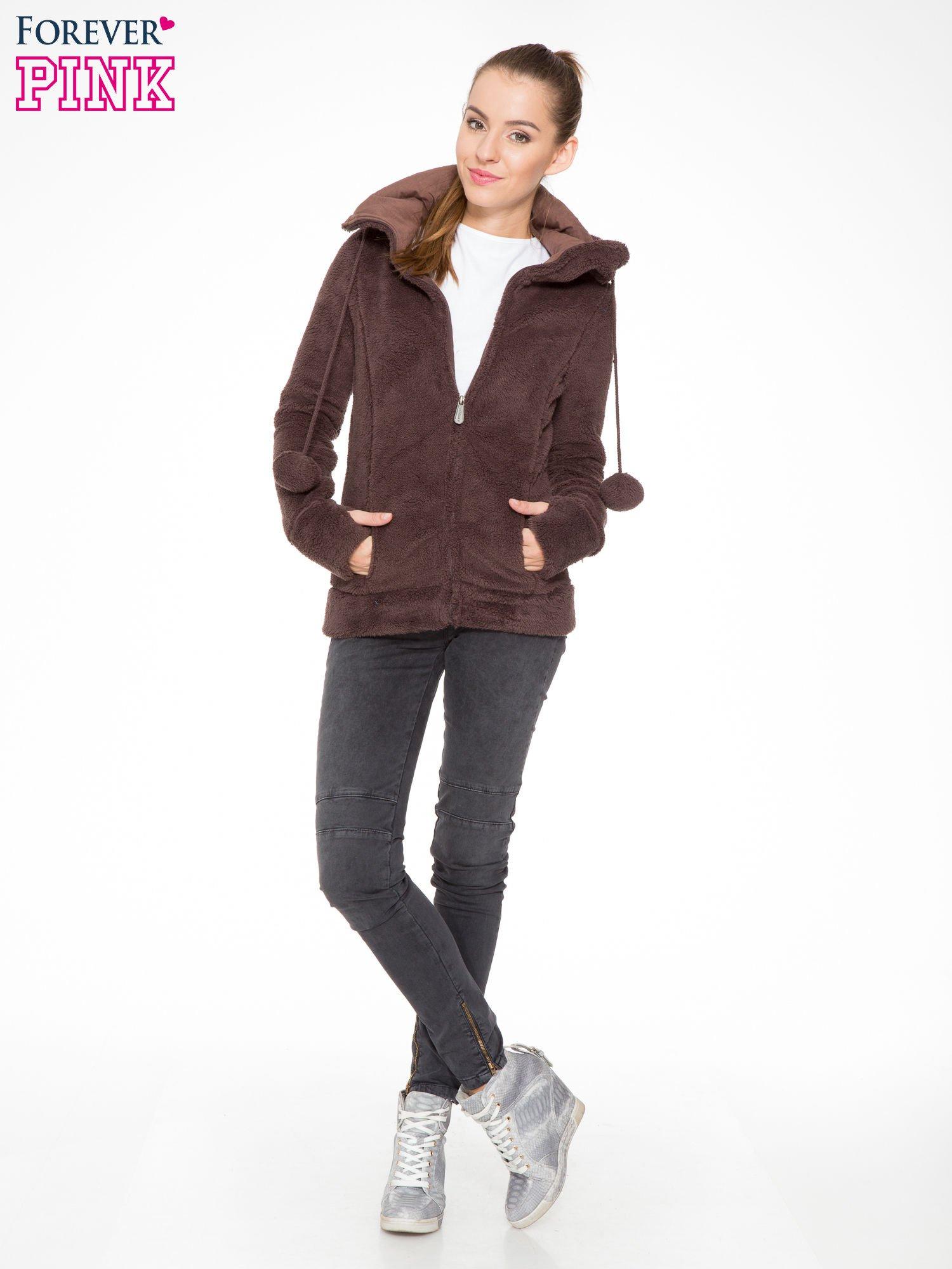 Ciemnobrązowa polarowa bluza miś z kapturem z uszkami i pomponami                                  zdj.                                  2