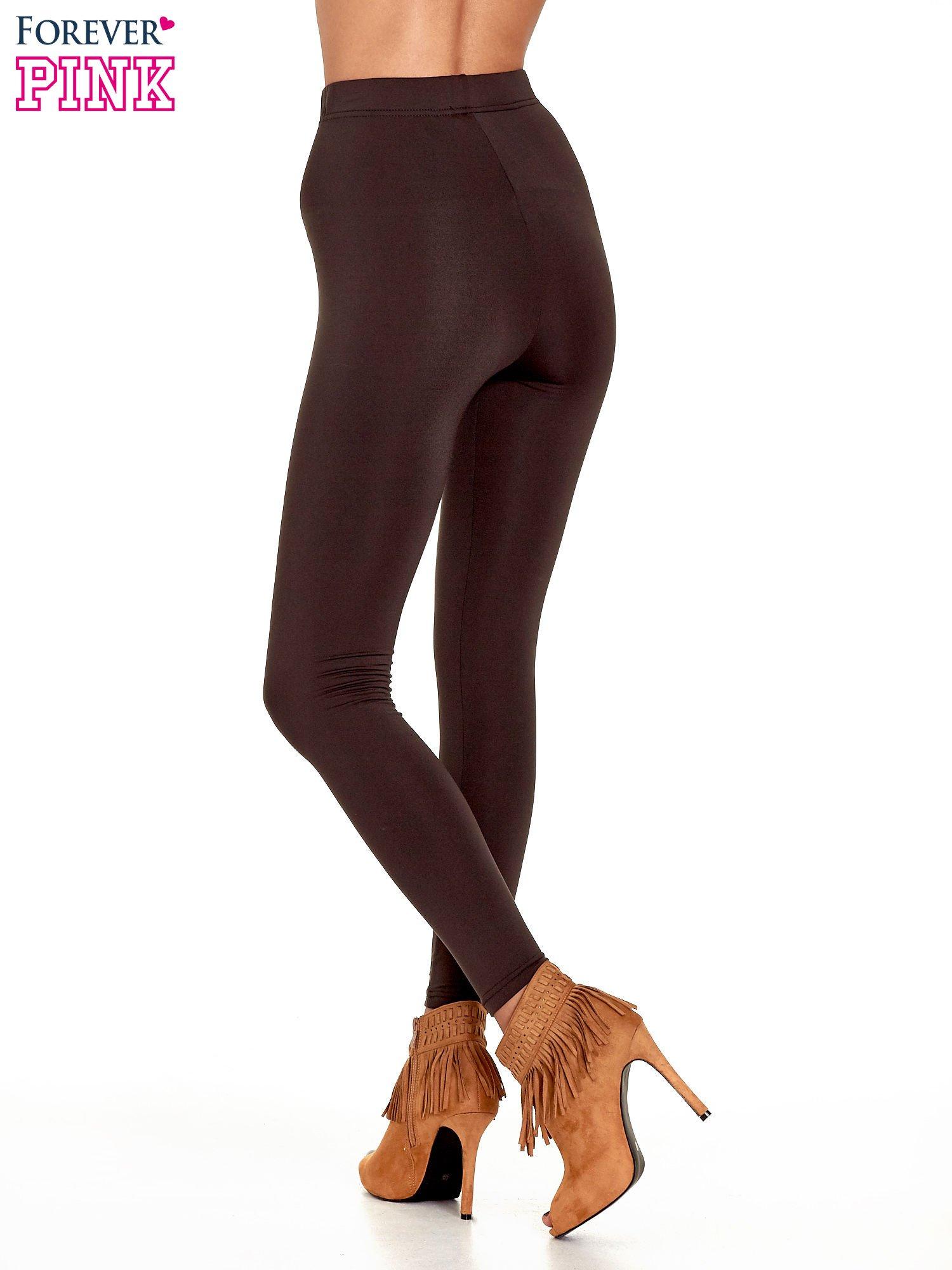 Ciemnobrązowe legginsy basic z lekkim ociepleniem                                  zdj.                                  4