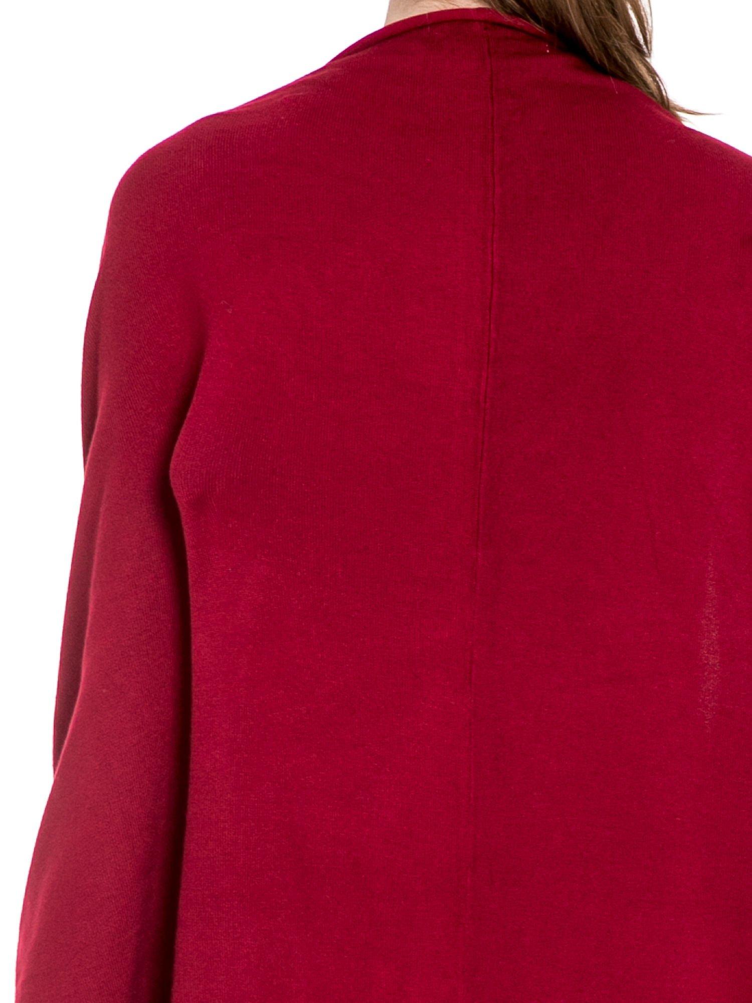 Ciemnoczerwony sweter narzutka z nietoperzowymi rękawami                                  zdj.                                  7