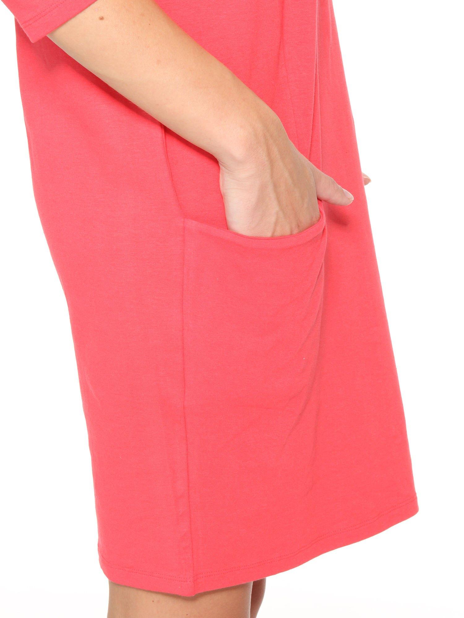 Ciemnokoralowa sukienka dresowa z kieszeniami                                  zdj.                                  10