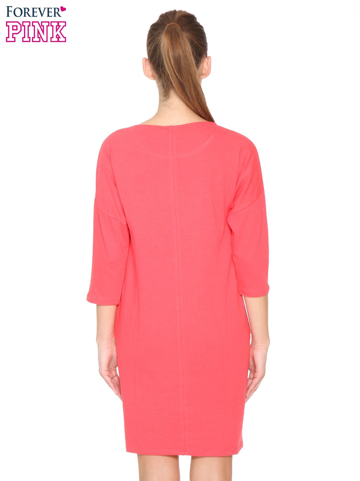 Ciemnokoralowa sukienka dresowa z kieszeniami                                  zdj.                                  4