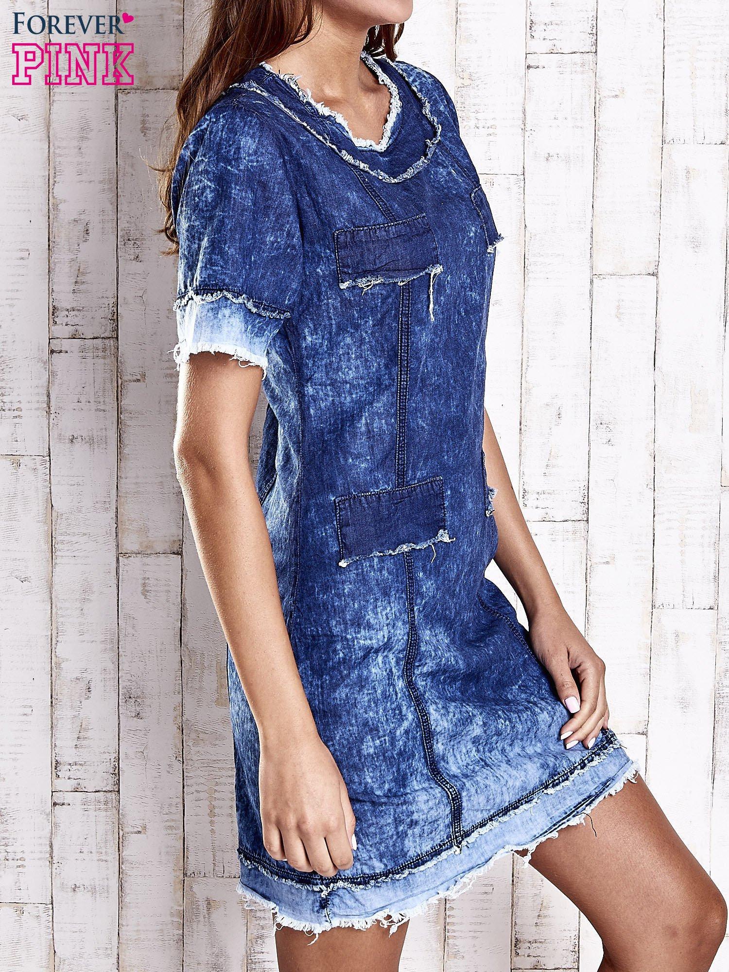 Ciemnoniebieska jeansowa sukienka z surowym wykończeniem                                  zdj.                                  3