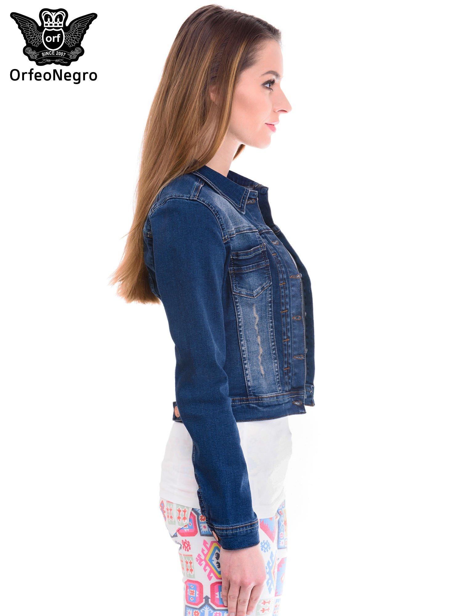 Ciemnoniebieska kurtka jeansowa damska z cieniowaniem i przetarciami                                  zdj.                                  3