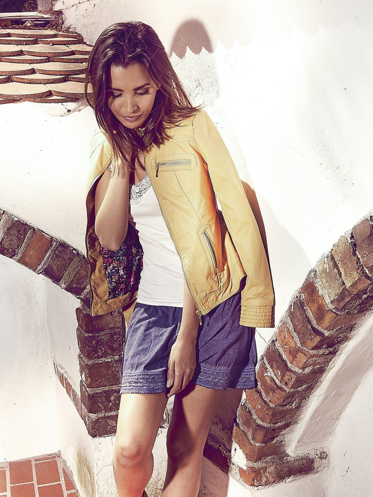 Ciemnoniebieska spódnica z efektem dekatyzowania                                  zdj.                                  6
