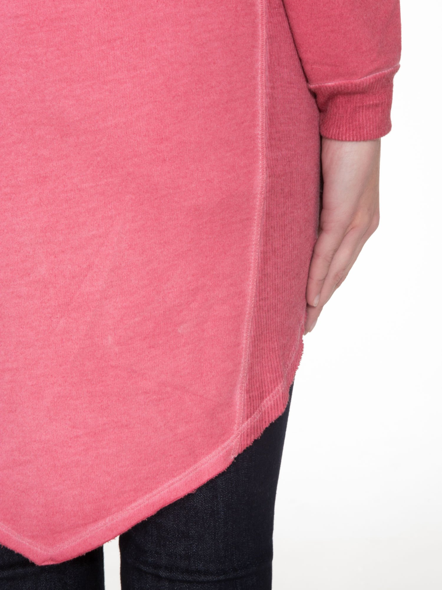 Ciemnoróżowa dresowa sukienkotunika z zaokrąglonym dołem                                  zdj.                                  9