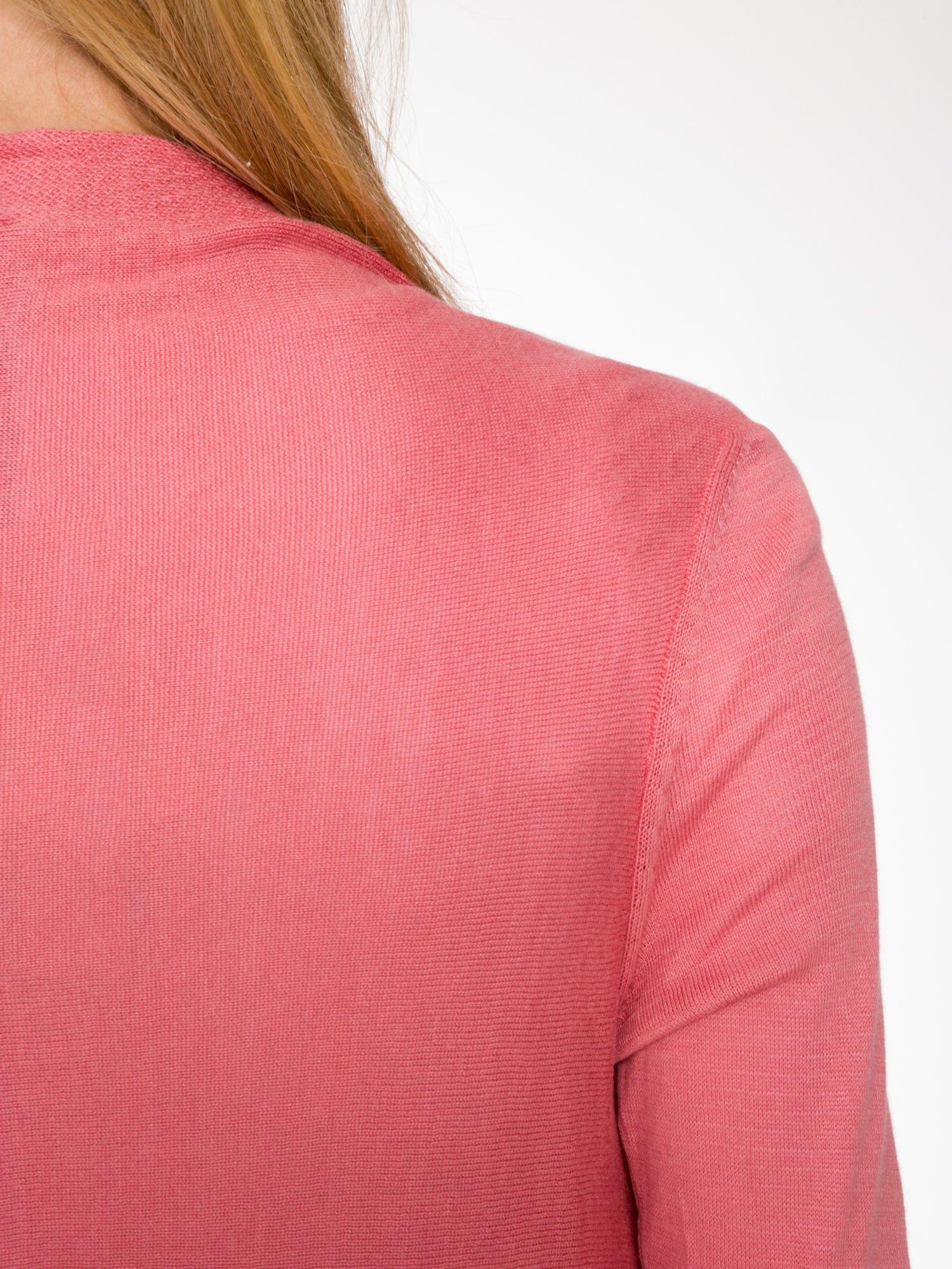 Ciemnoróżowy otwarty sweter z kaskadowymi bokami                                  zdj.                                  9
