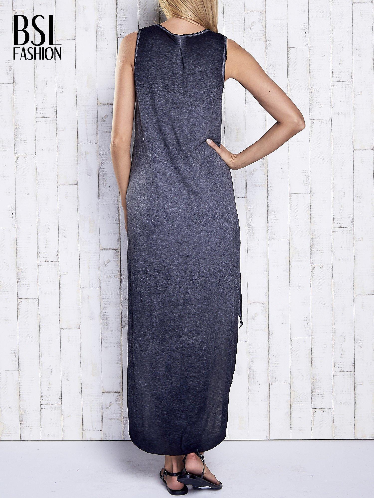 Ciemnoszara dekatyzowana sukienka maxi z dłuższym tyłem                                  zdj.                                  5