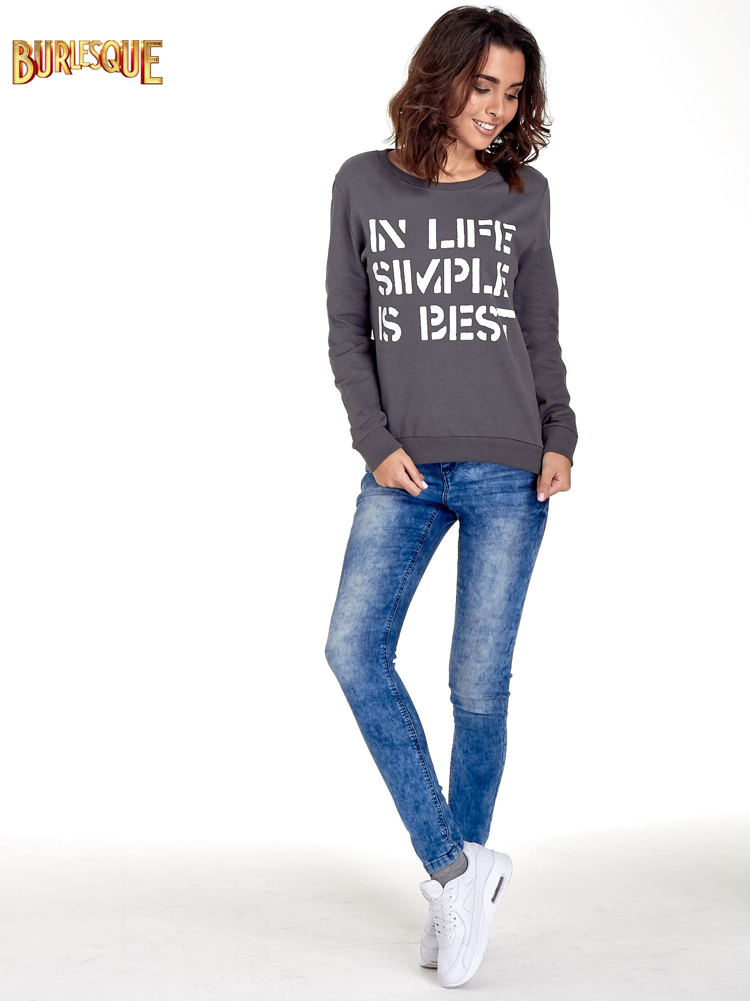 Ciemnoszara klasyczna bluza damska z napisem IN LIFE SIMPLE IS BEST                                  zdj.                                  2