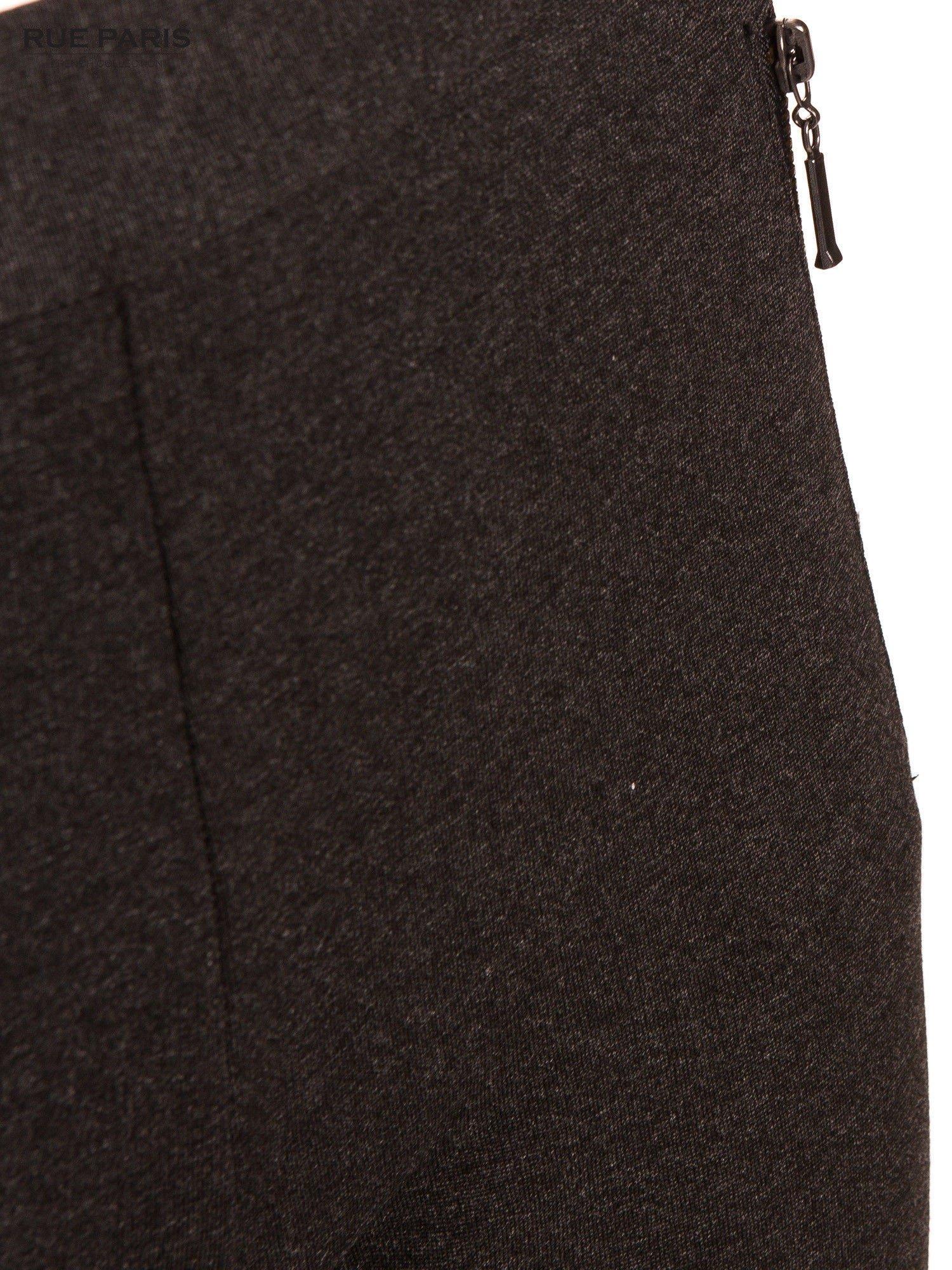 Ciemnoszare dzianinowe spodnie dzwony w kant                                  zdj.                                  5