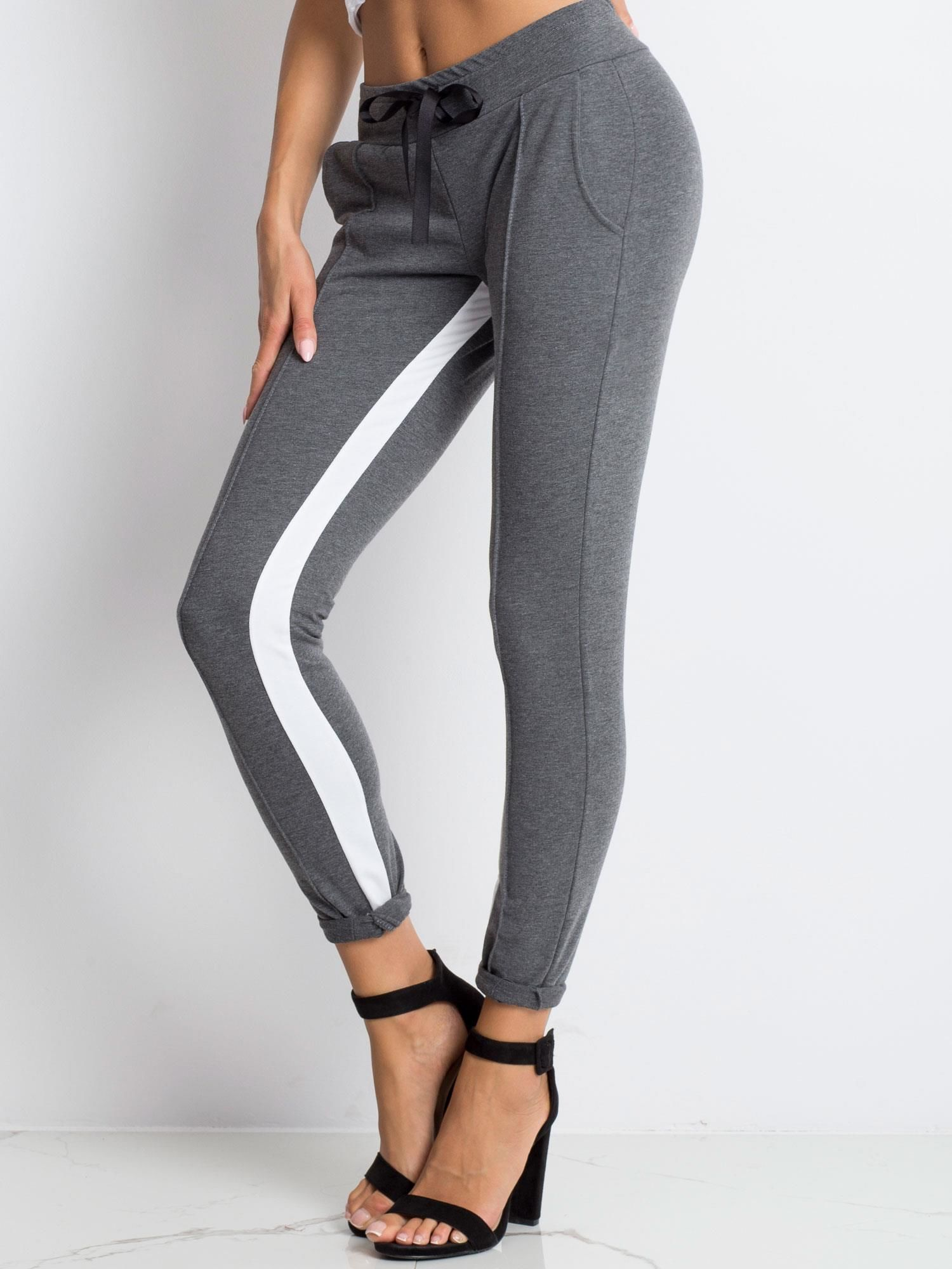 da25c4ae Ciemnoszare spodnie dresowe Defined