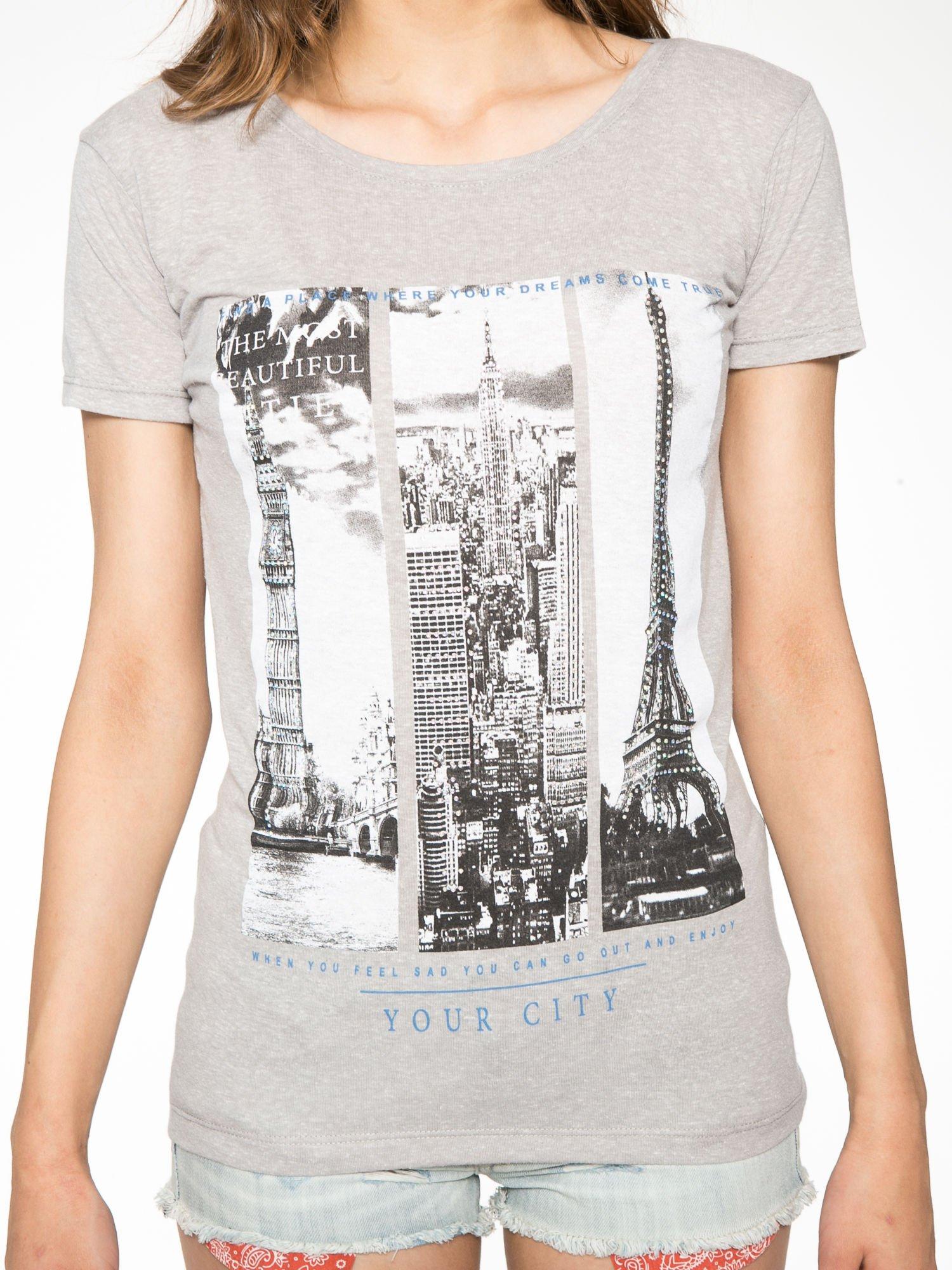 Ciemnoszary t-shirt z fotografiami miast                                  zdj.                                  7
