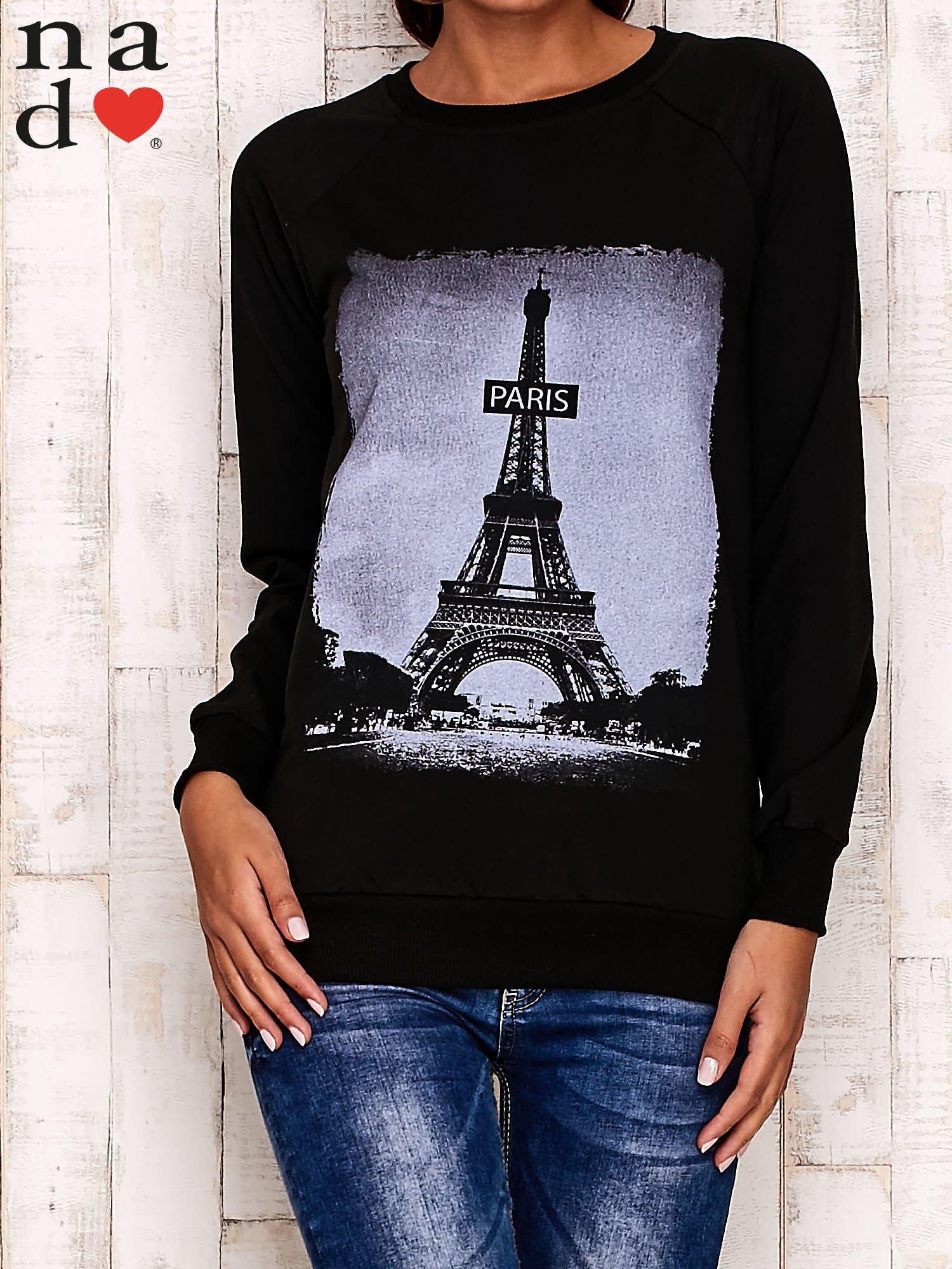 Czarna bluza z motywem Wieży Eiffla                                  zdj.                                  2