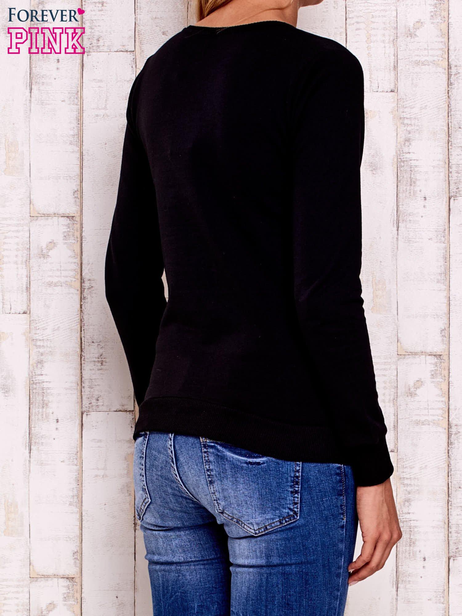 Czarna bluza z napisem GET YOUR HAPPY ON                                  zdj.                                  2