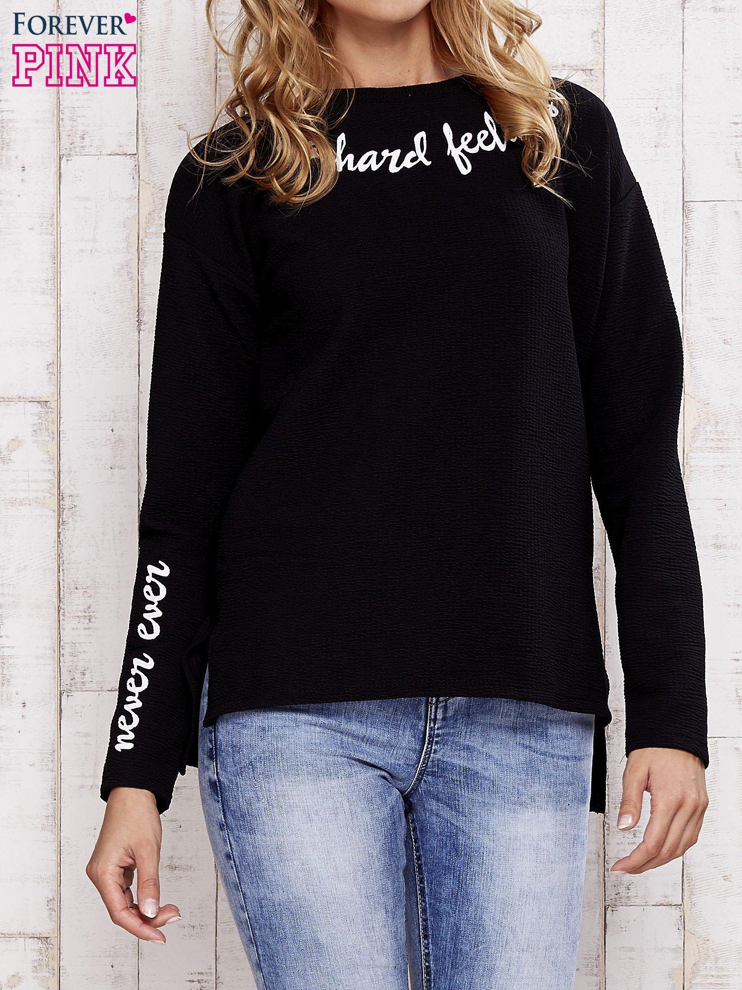 Czarna bluza z napisem NO HARD FEELINGS                                  zdj.                                  1