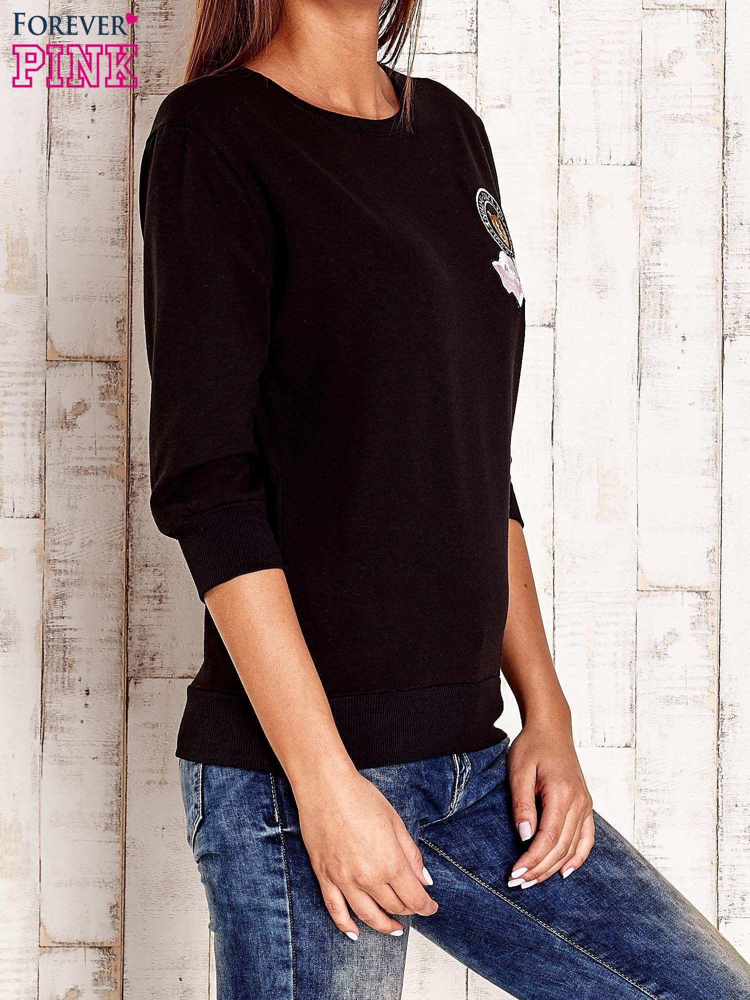Czarna bluza z naszywkami i ściągaczami                                  zdj.                                  3