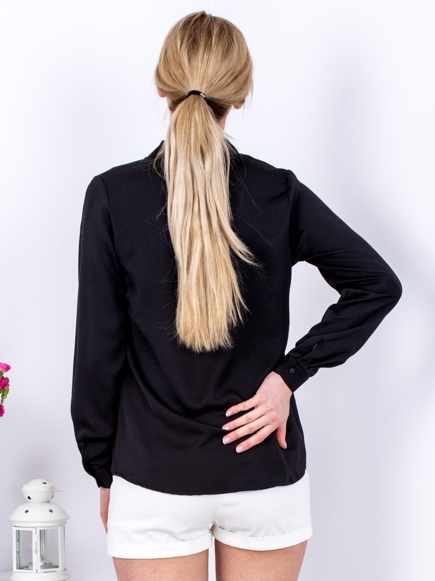 27d1b9ec70a951 Czarna bluzka V-neck - Bluzka na co dzień - sklep eButik.pl