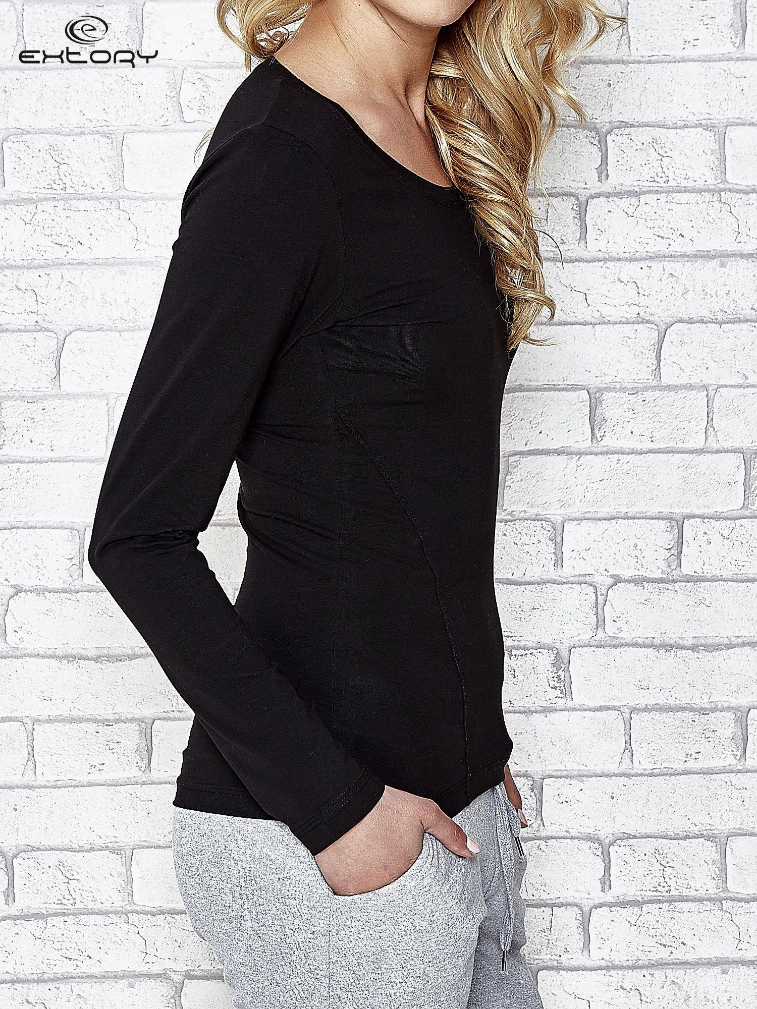 Czarna bluzka sportowa z dekoltem U                                  zdj.                                  3