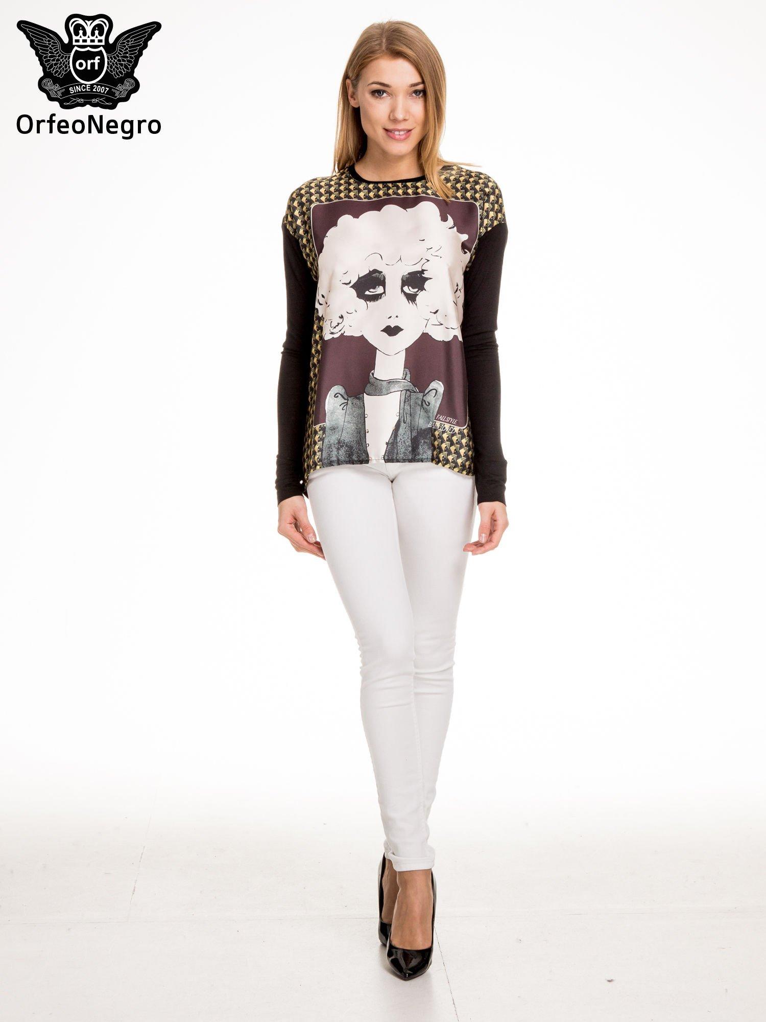 Czarna bluzka z grafiką kobiety                                  zdj.                                  2