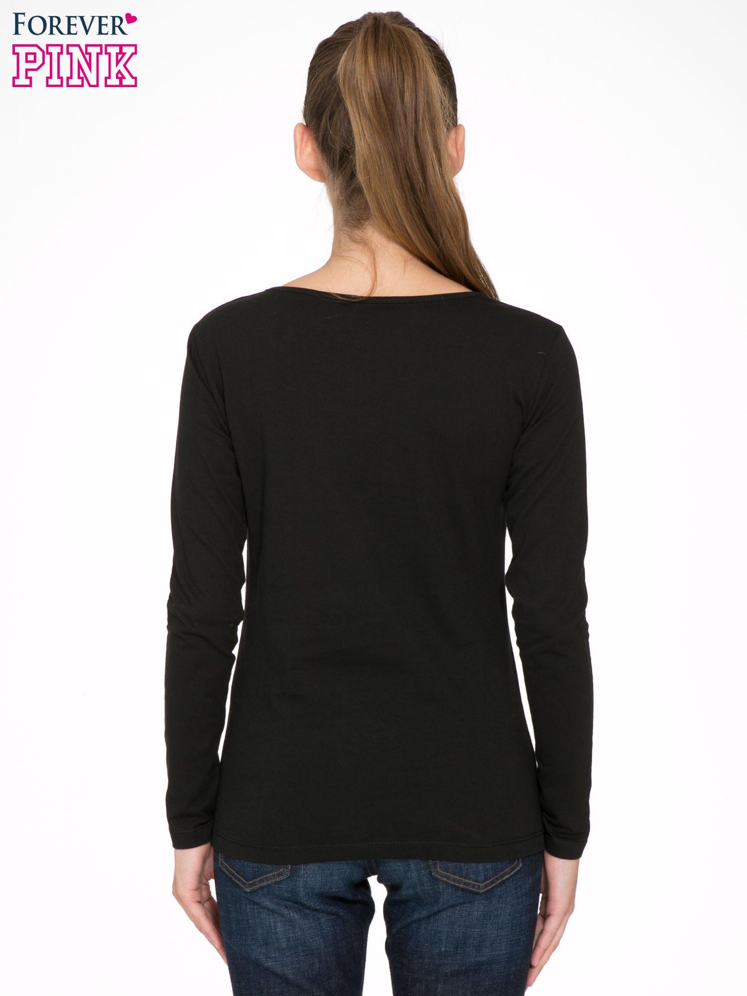 Czarna bluzka z napisem CRAZY i nadrukiem fashionistek                                  zdj.                                  4