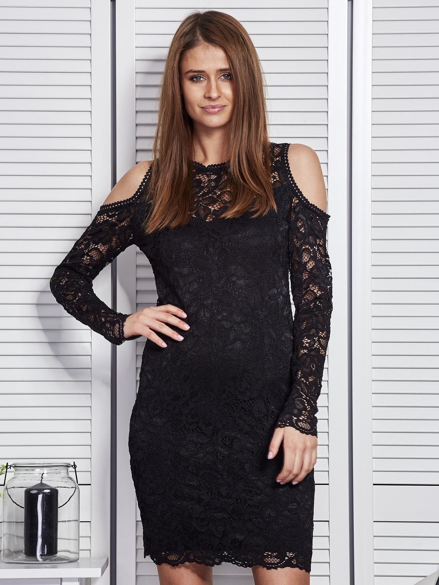 4c3335e98 Czarna koronkowa sukienka z odkrytymi ramionami - Sukienka koktajlowa -  sklep eButik.pl