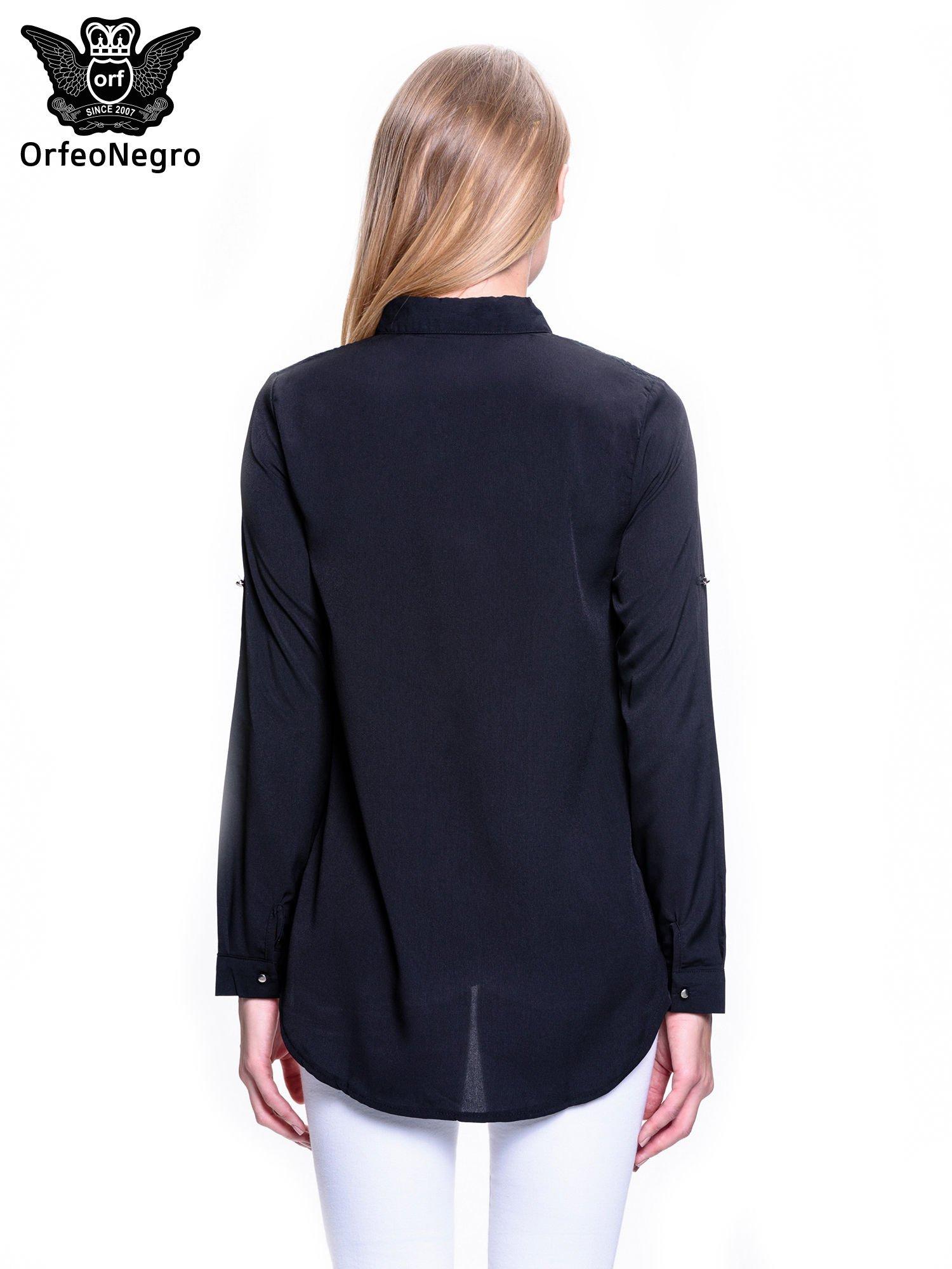 Czarna koszula z koronkową wstawką przy ramionach                                  zdj.                                  4
